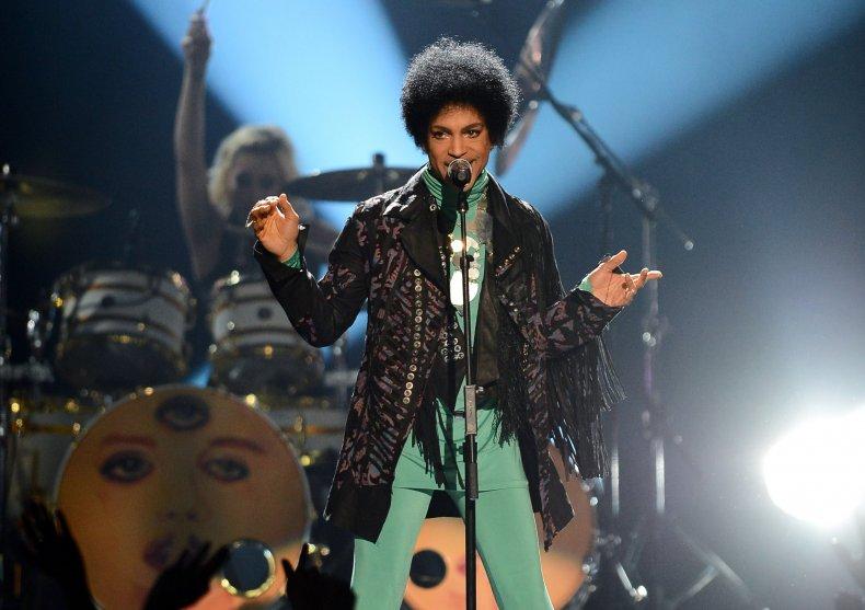 Prince performs at Billboard Awards