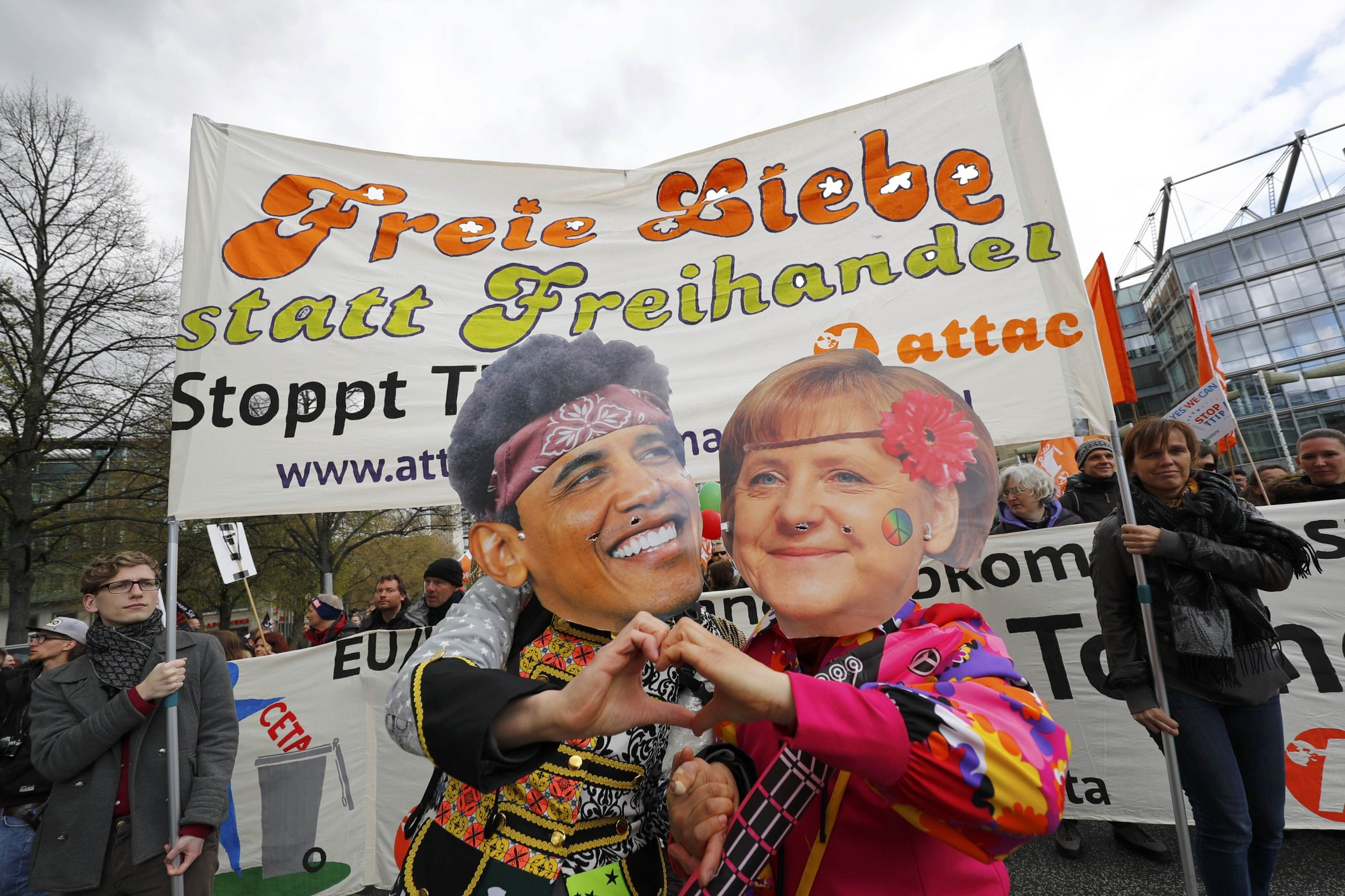 Obama Merkel Extol Free Trade Pact As Thousands Of Germans Protest