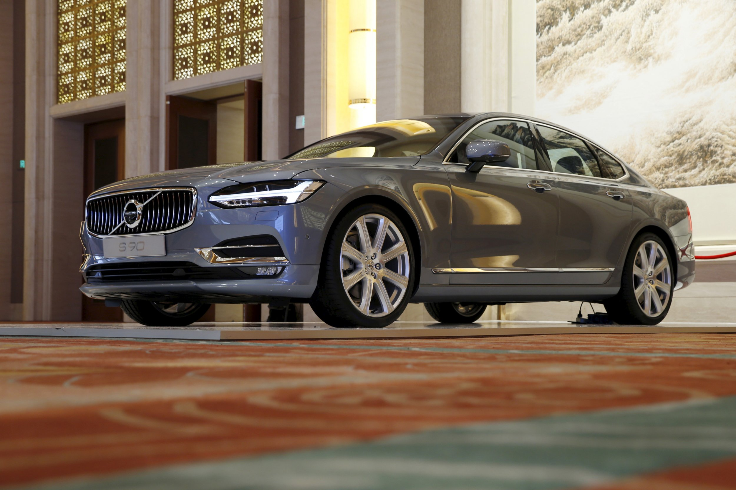 Volvo Driverless Car