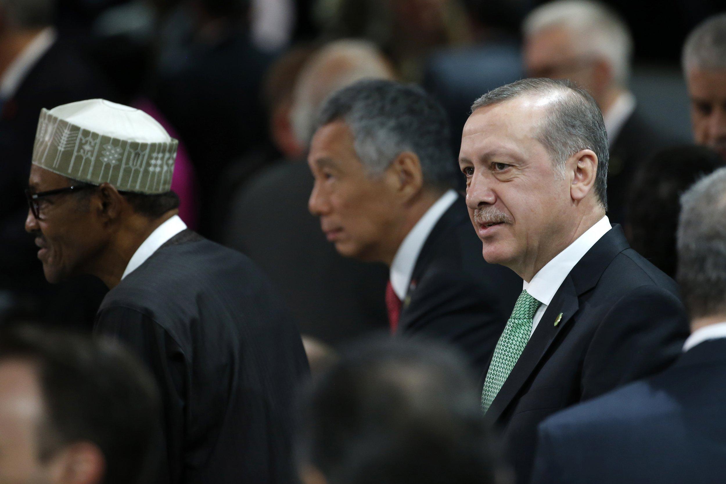 04_27_Erdogan_Islamic_01