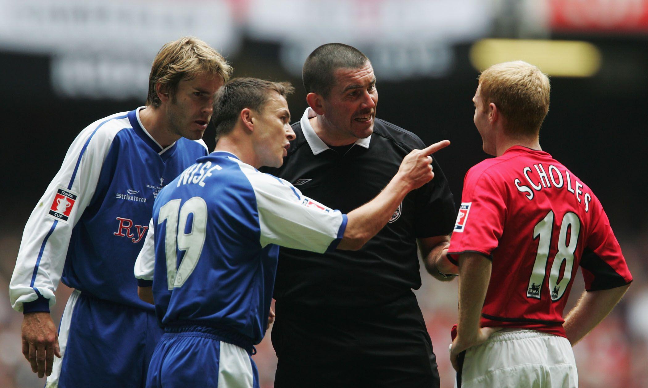 Referee Jeff Winter