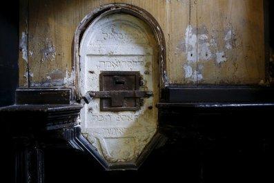 21/03/2016_Anti-Semitism Synagogue's offertory box