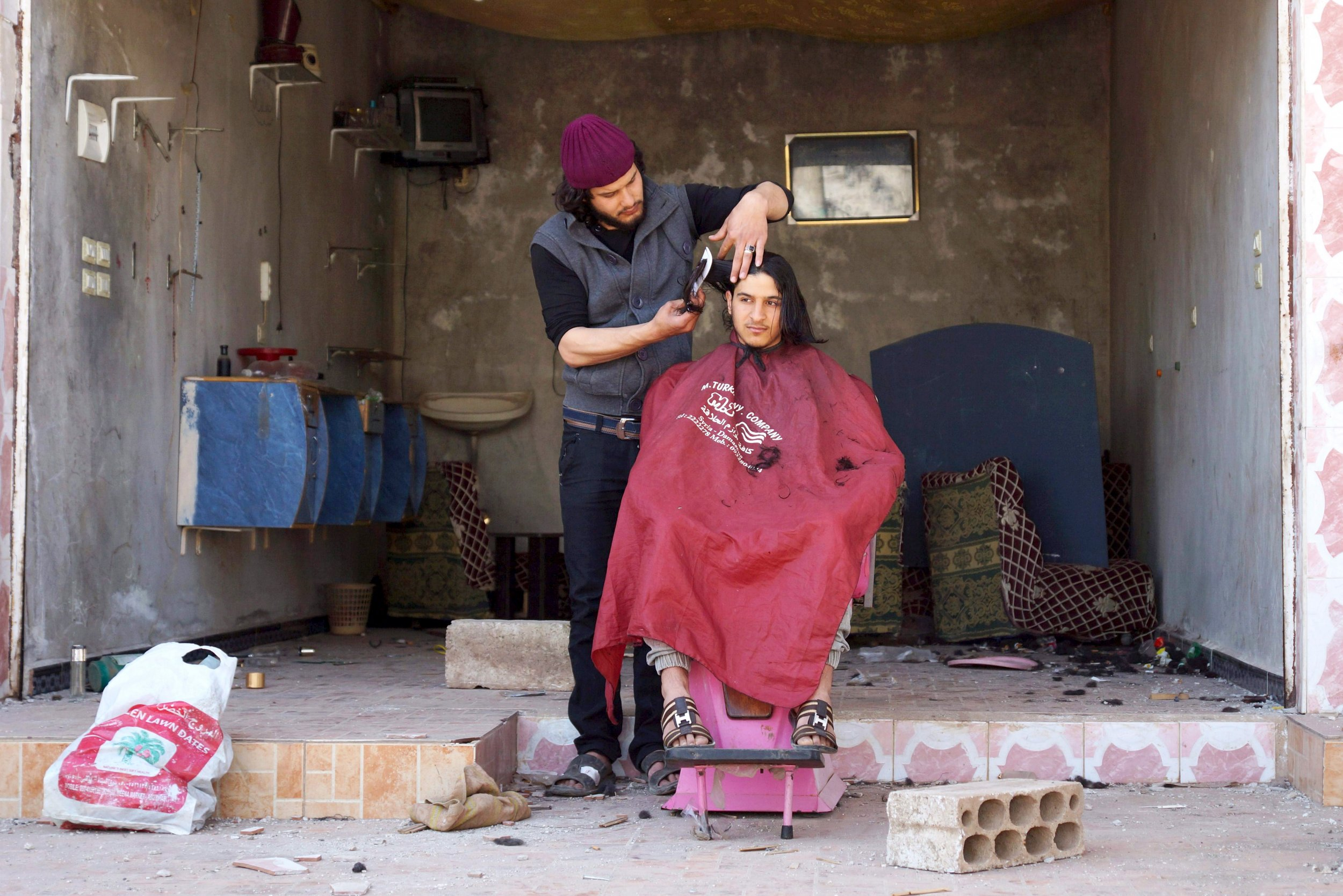 05_01_ISIS_Barber_01