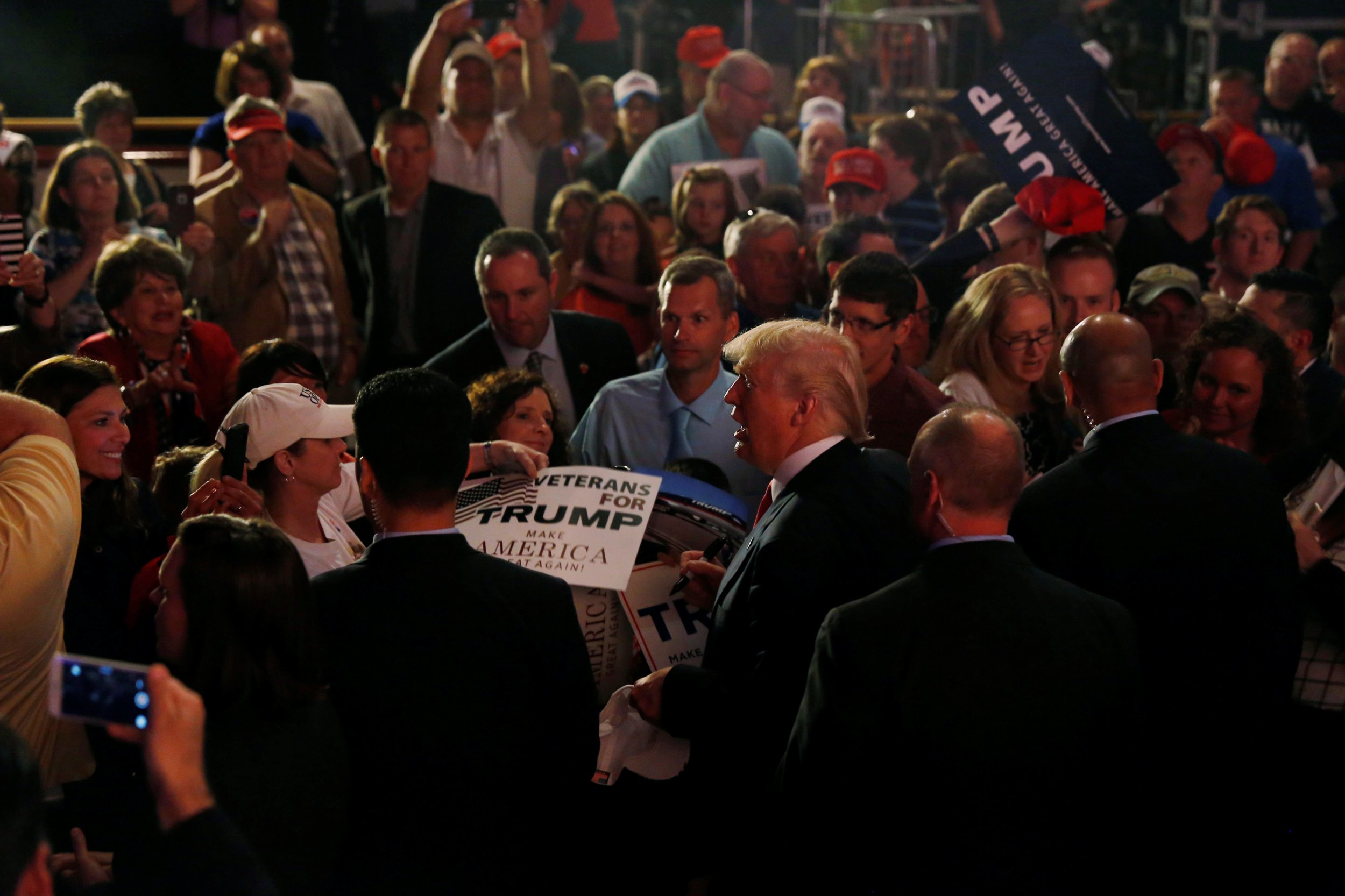 05_02_Trump_Indiana_Evangelicals_01