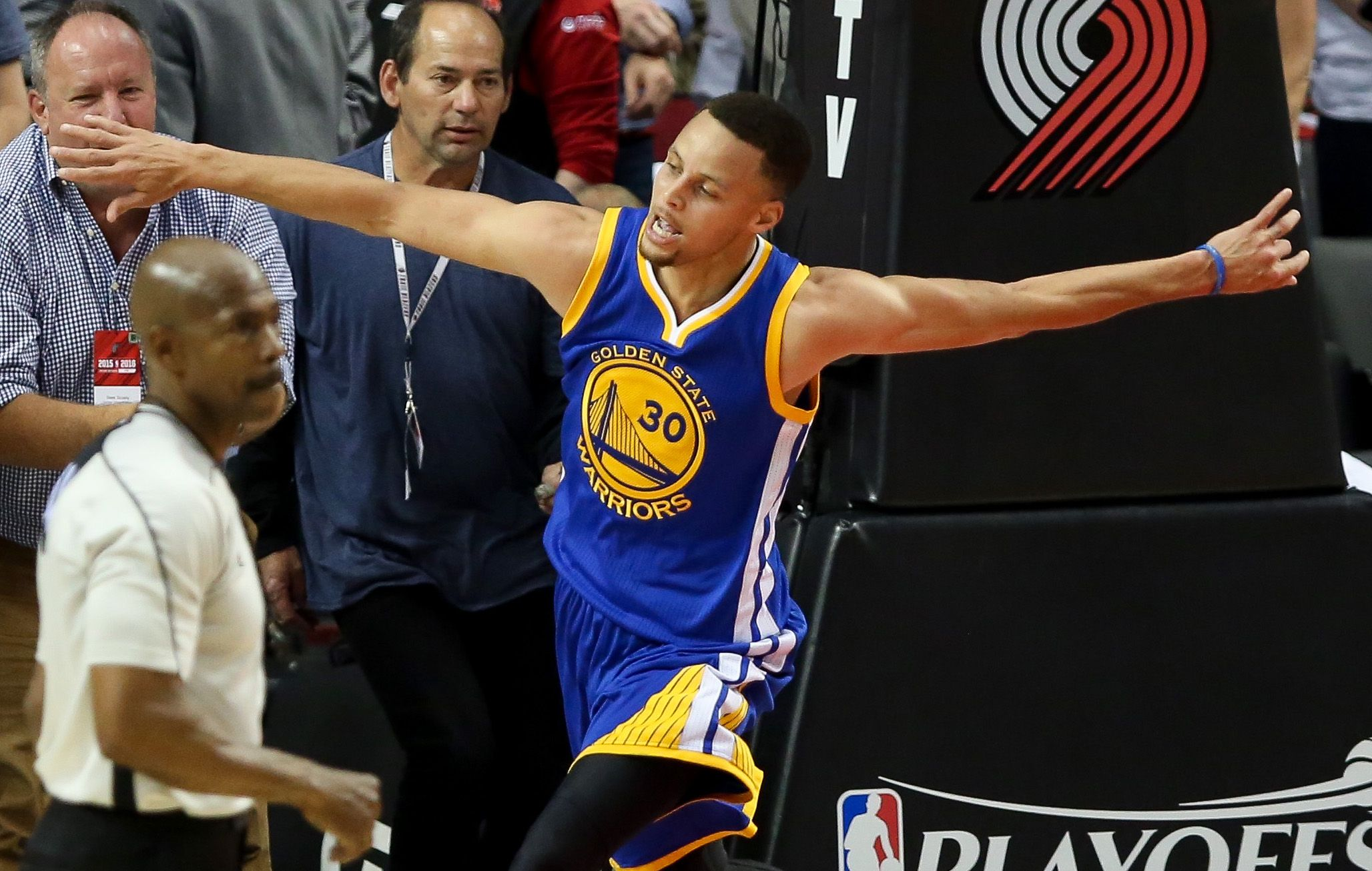 7a5877d45f3a Golden State Warrior Steph Curry Named NBA MVP for Second Time