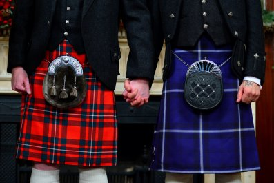 Joe Schofield (R) and Malcolm Brown marrying in Scotland