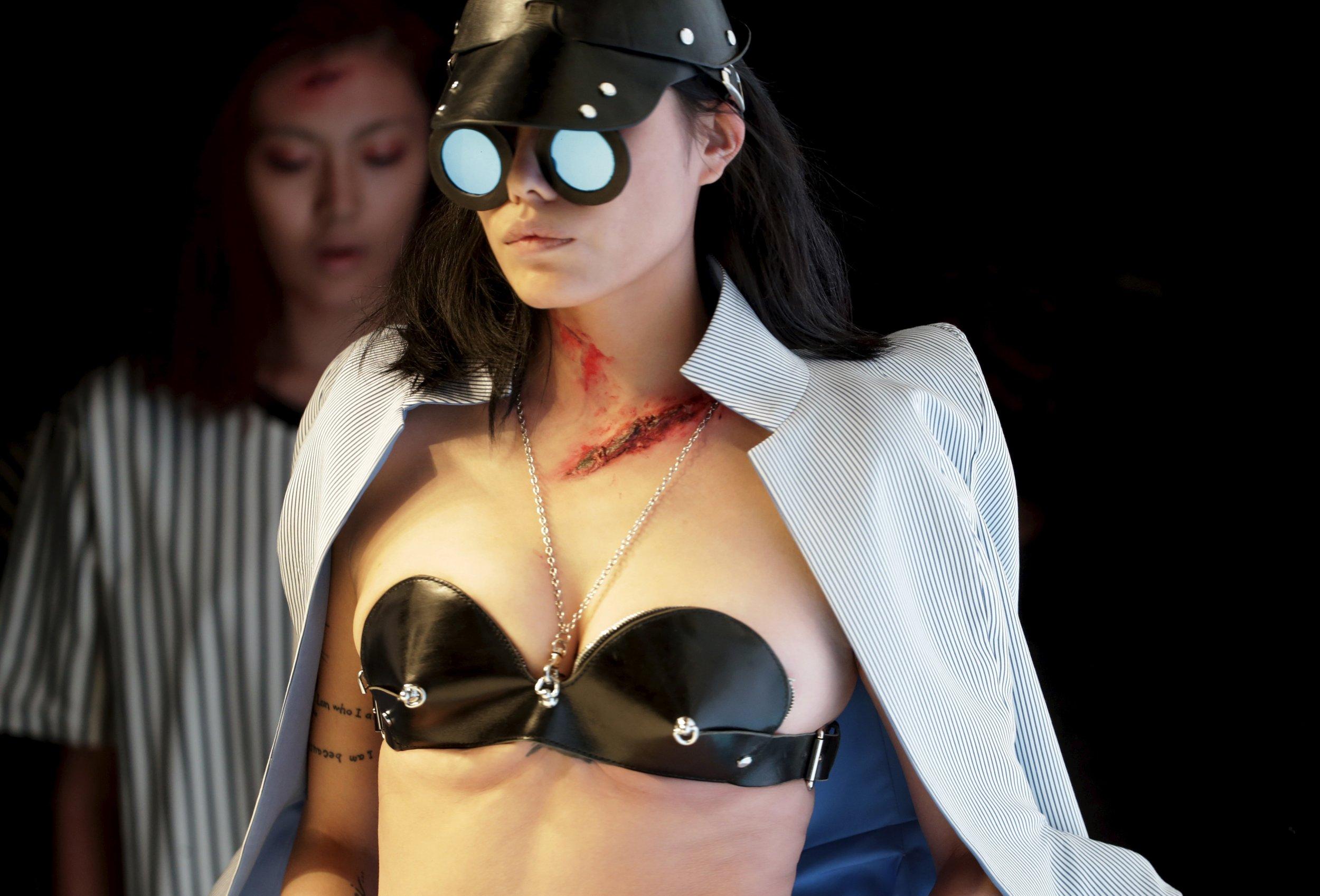 05_15_China_Sex_01