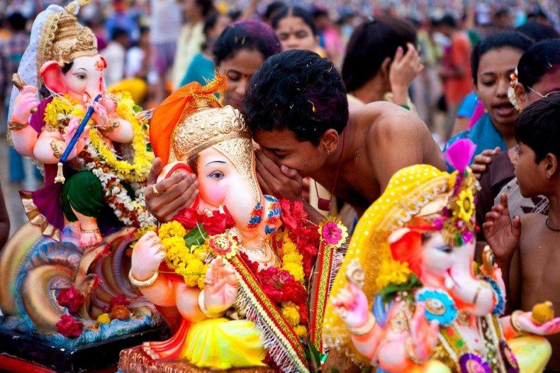 130320-mumbai-ganesh-chatsuri