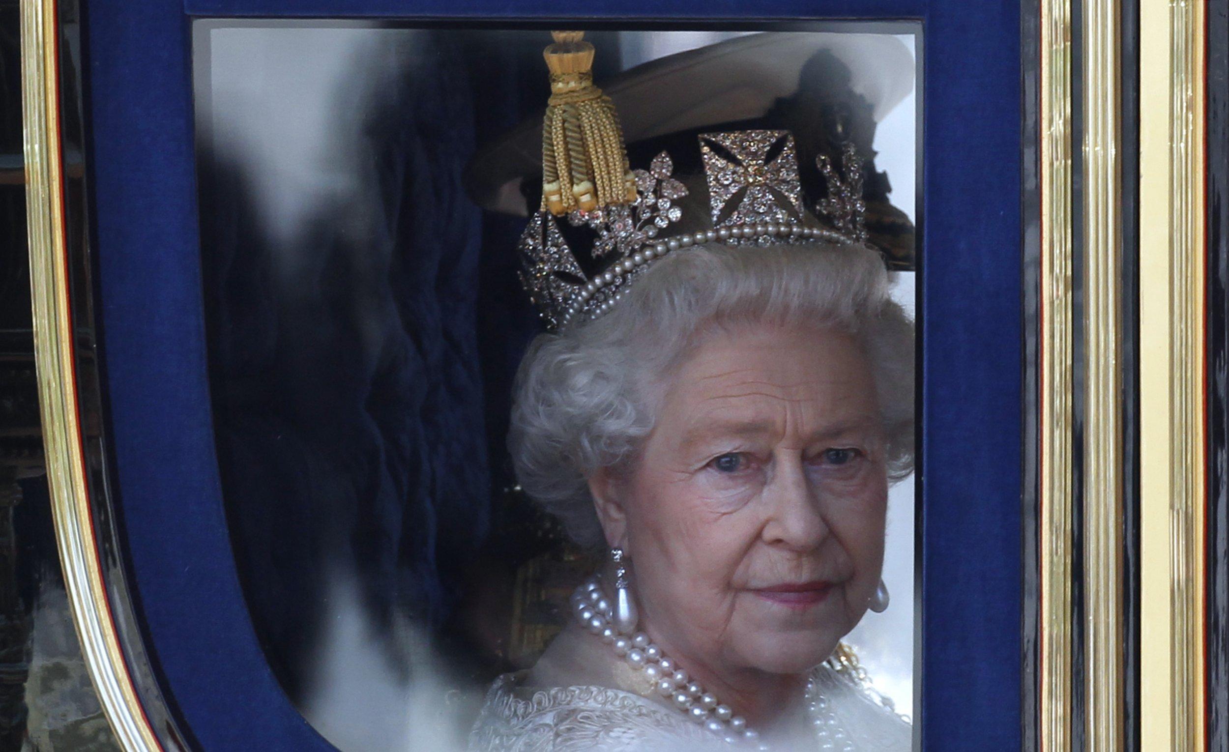 25/2010_Queen Elizabeth