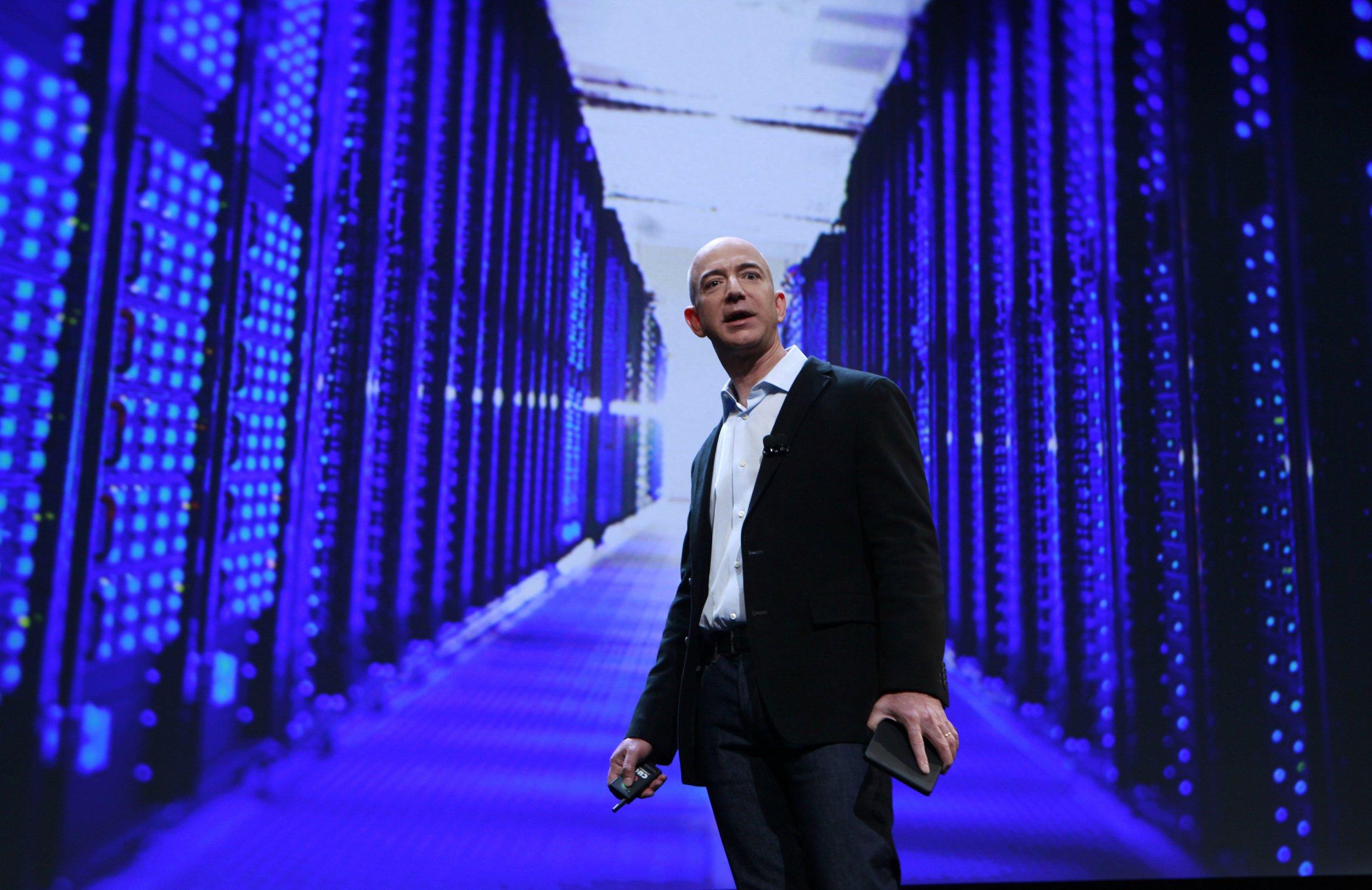 05_21_Bezos_Trump_01