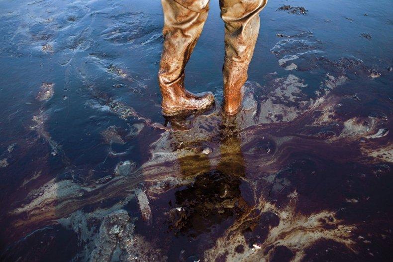 hertsgaard-FE04-bp-oil-spill-embed-05