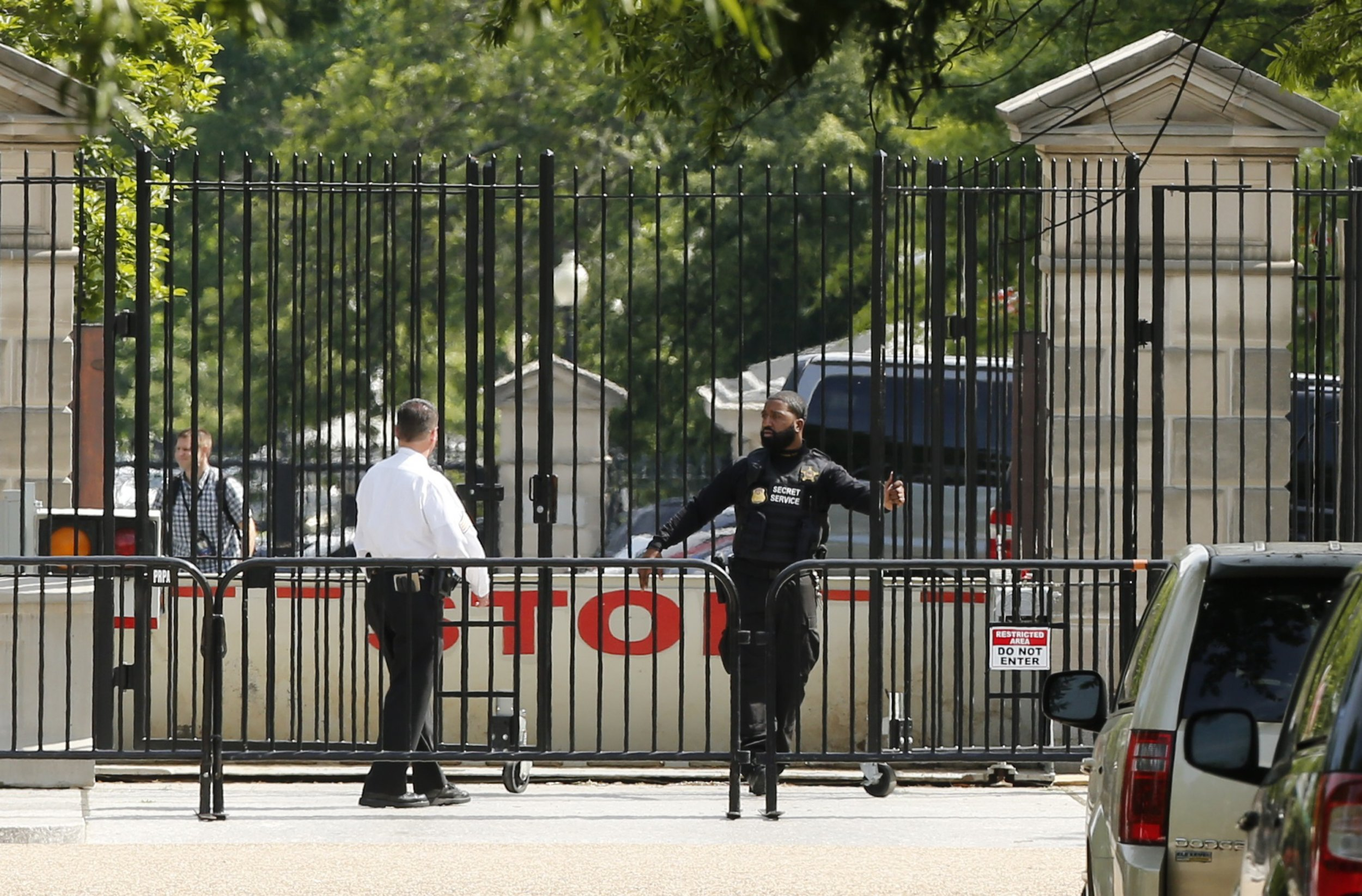 White House Locked Down After Man Shot by Secret Service Nearby