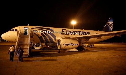 06_03_EgyptPlanes_03