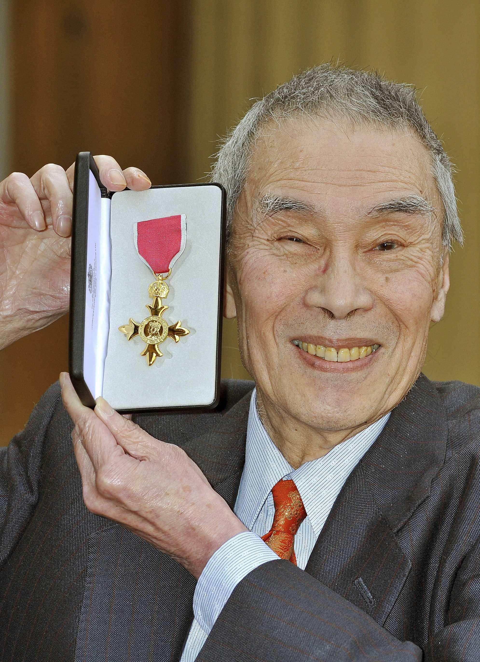 u0026 39 pink panther u0026 39  actor burt kwouk dies at 85