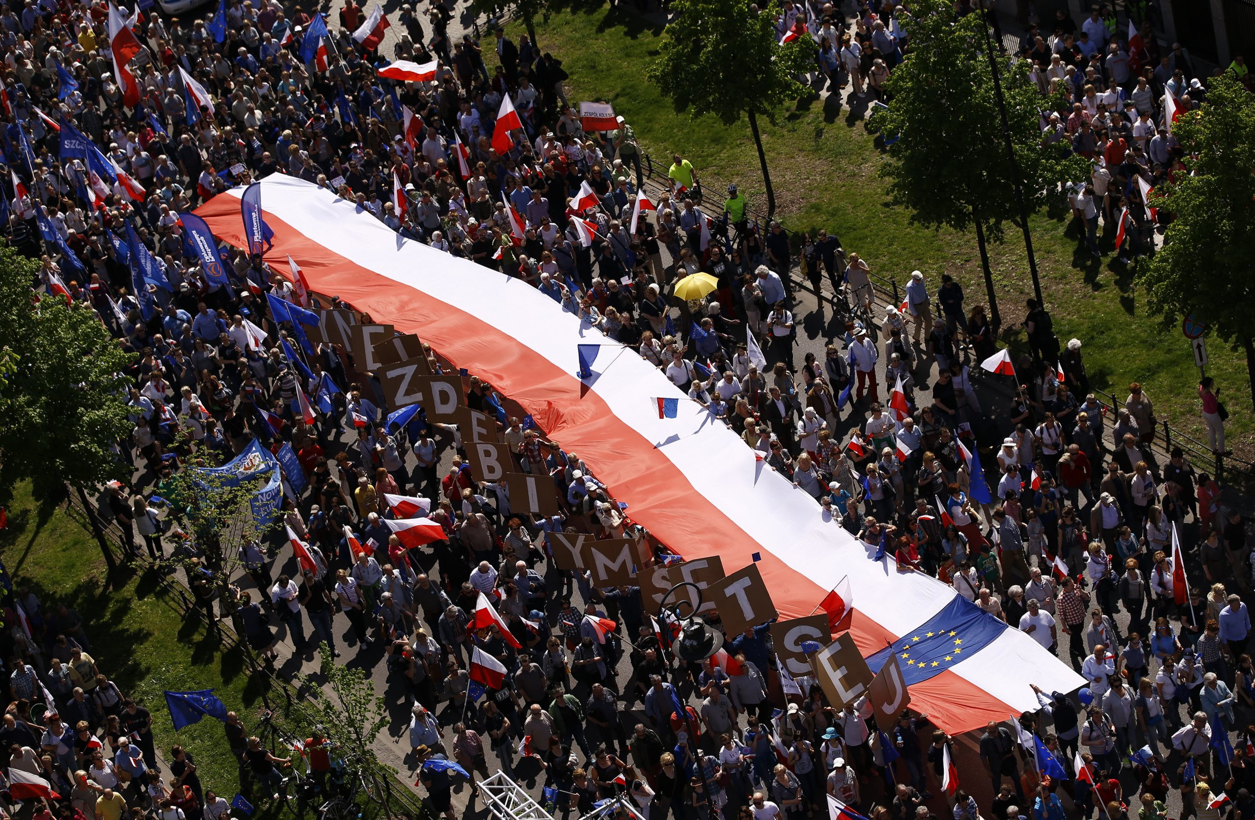 Giant Polish flag