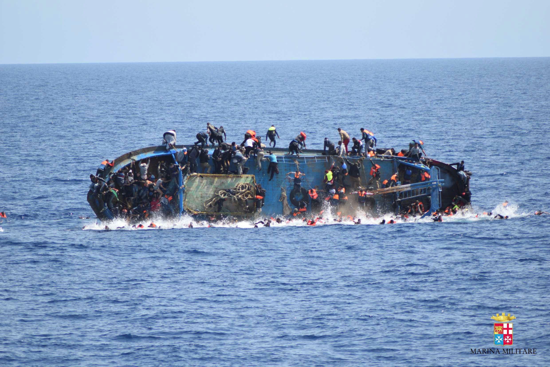 0525_migrant_boat_capsizes