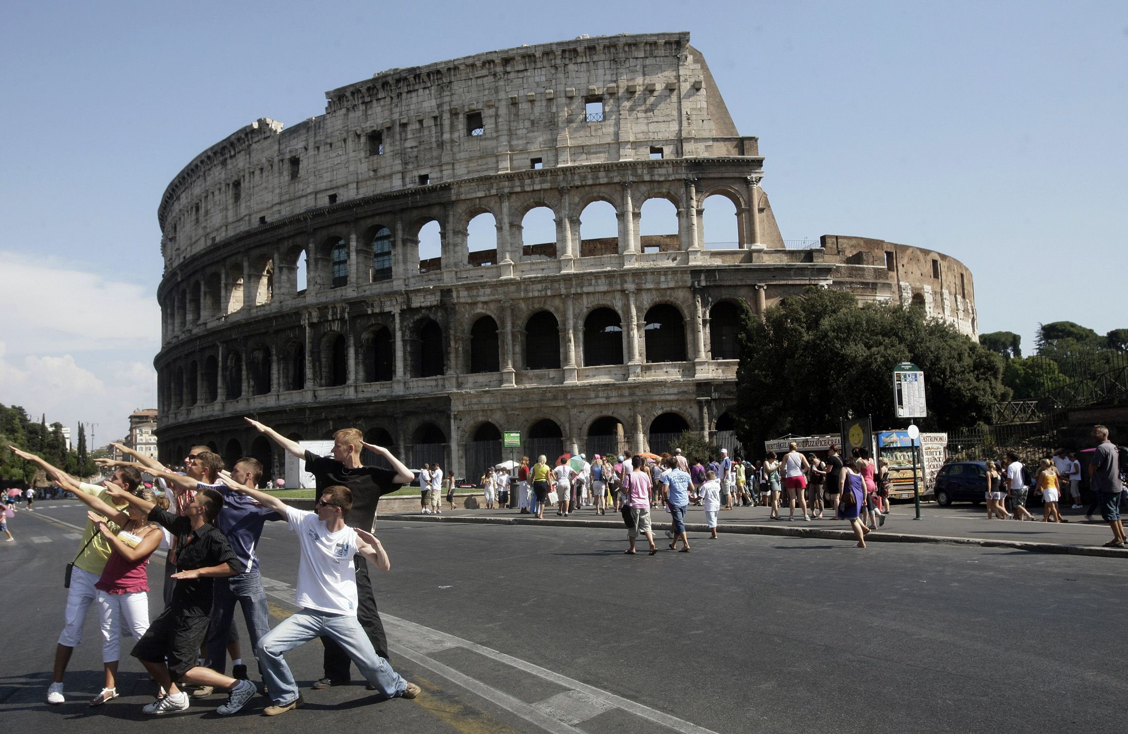 rome asks for 487 million to restore ancient heritage sites