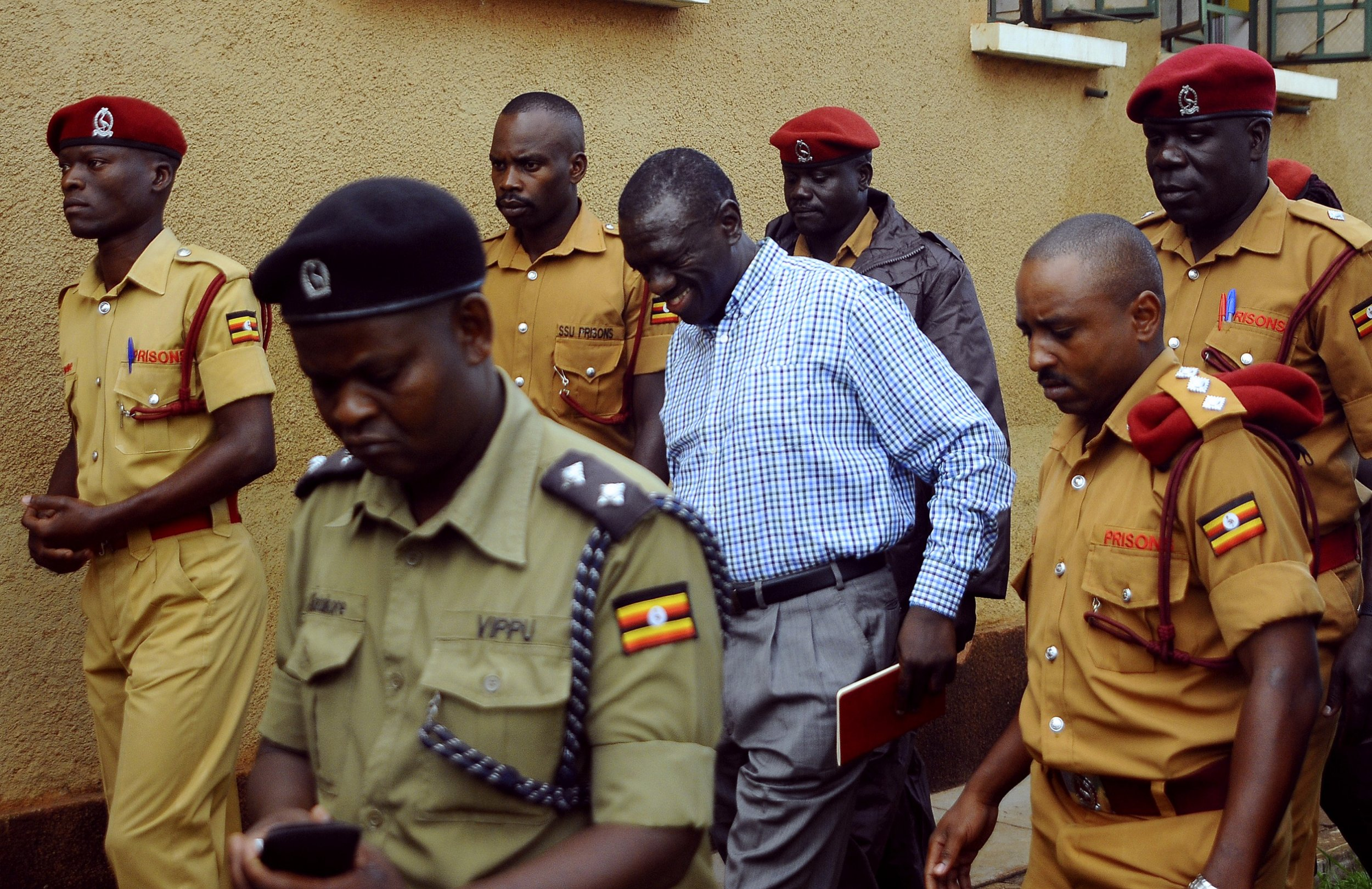 Kizza Besigye goes to court