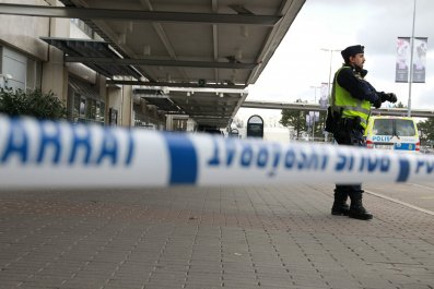 Gothenburg airport bomb scare