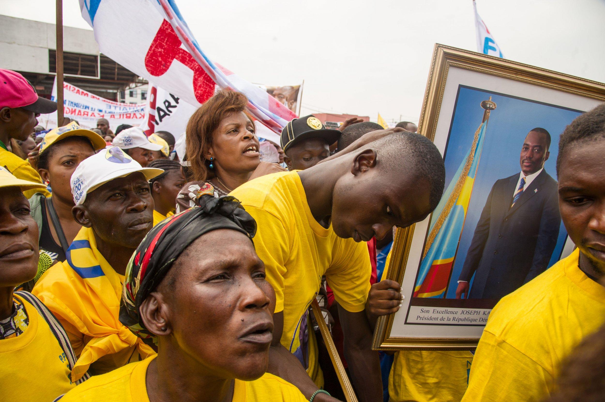 Kabila supporters celebrate birthday.