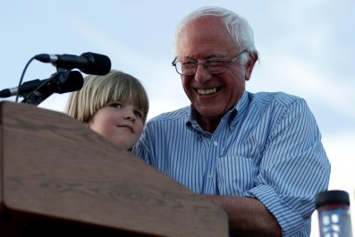 06_06_Bernie_California_01