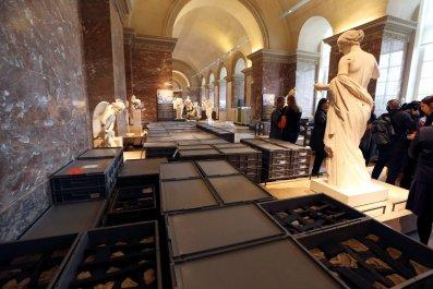 06_07_Louvre_Paris_floods