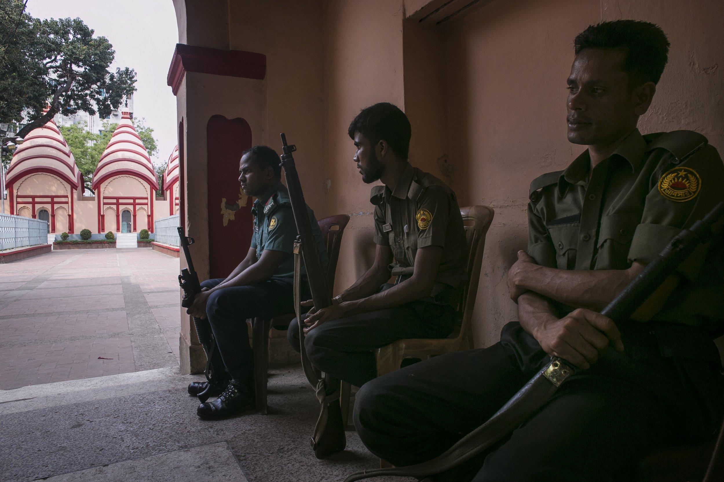 Bangladeshi police guard Hindu temple