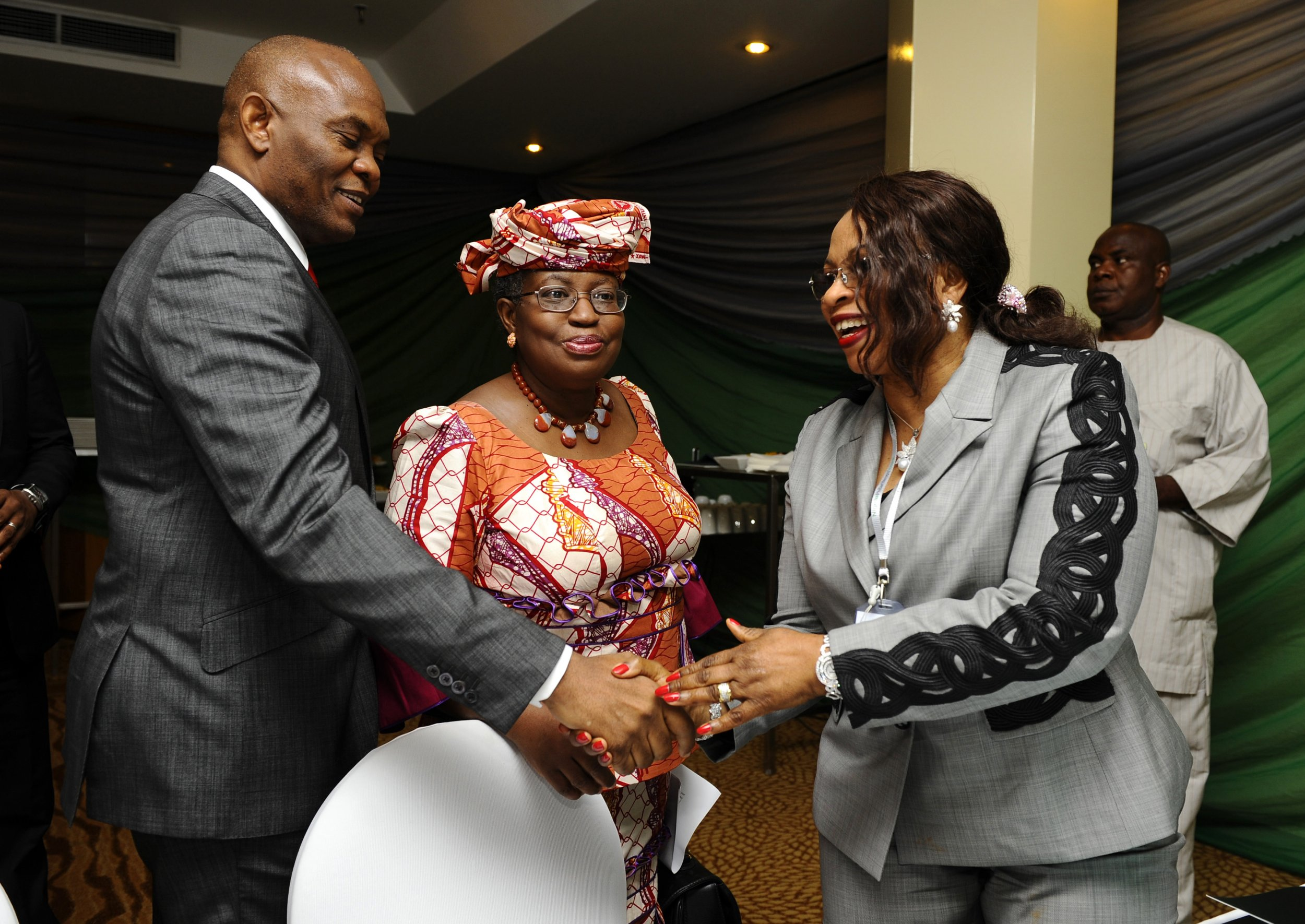 Nigerian businesswoman Folorunsho Alakija meets dignitaries.