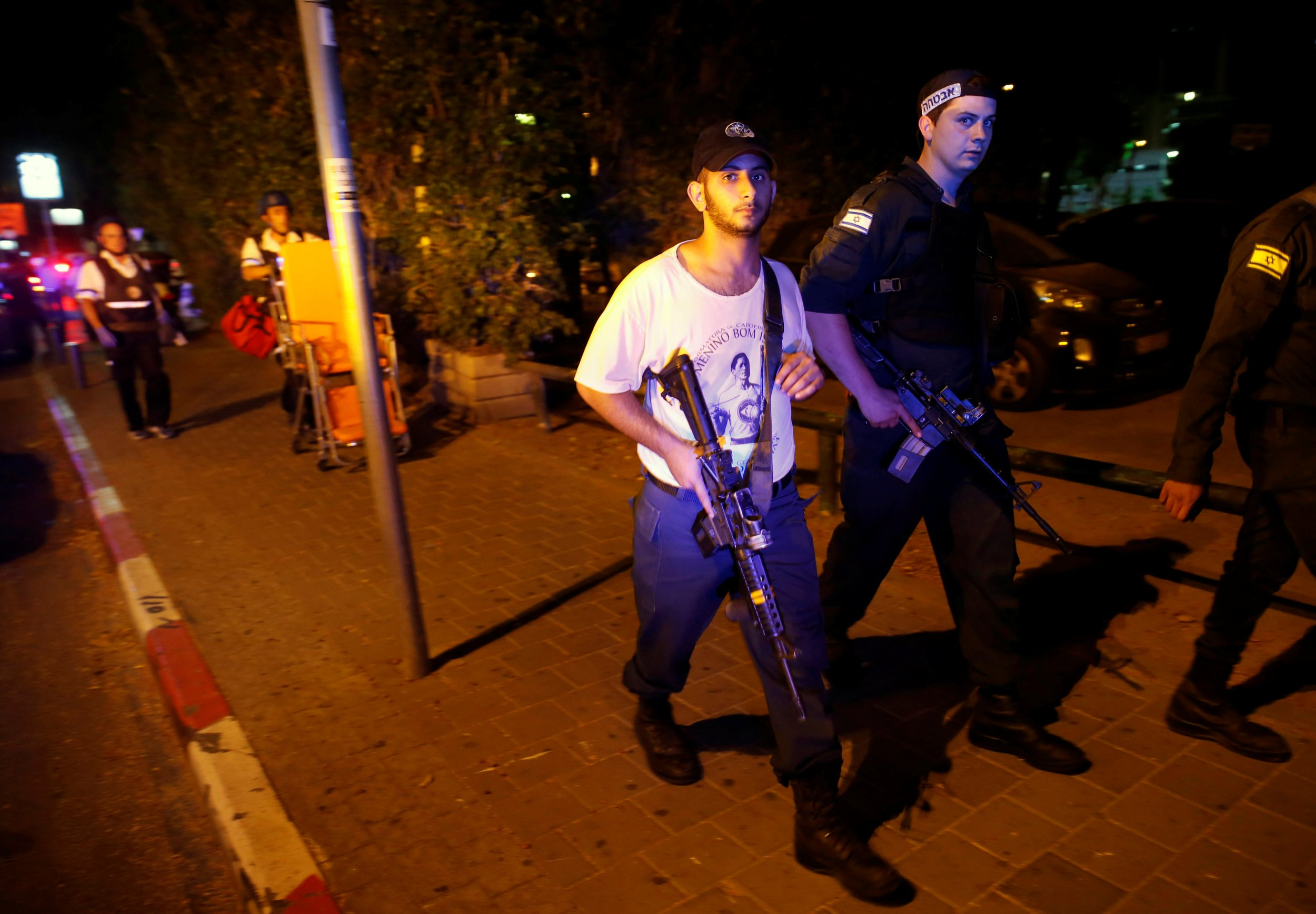 06_08_Aviv_Shooting_01