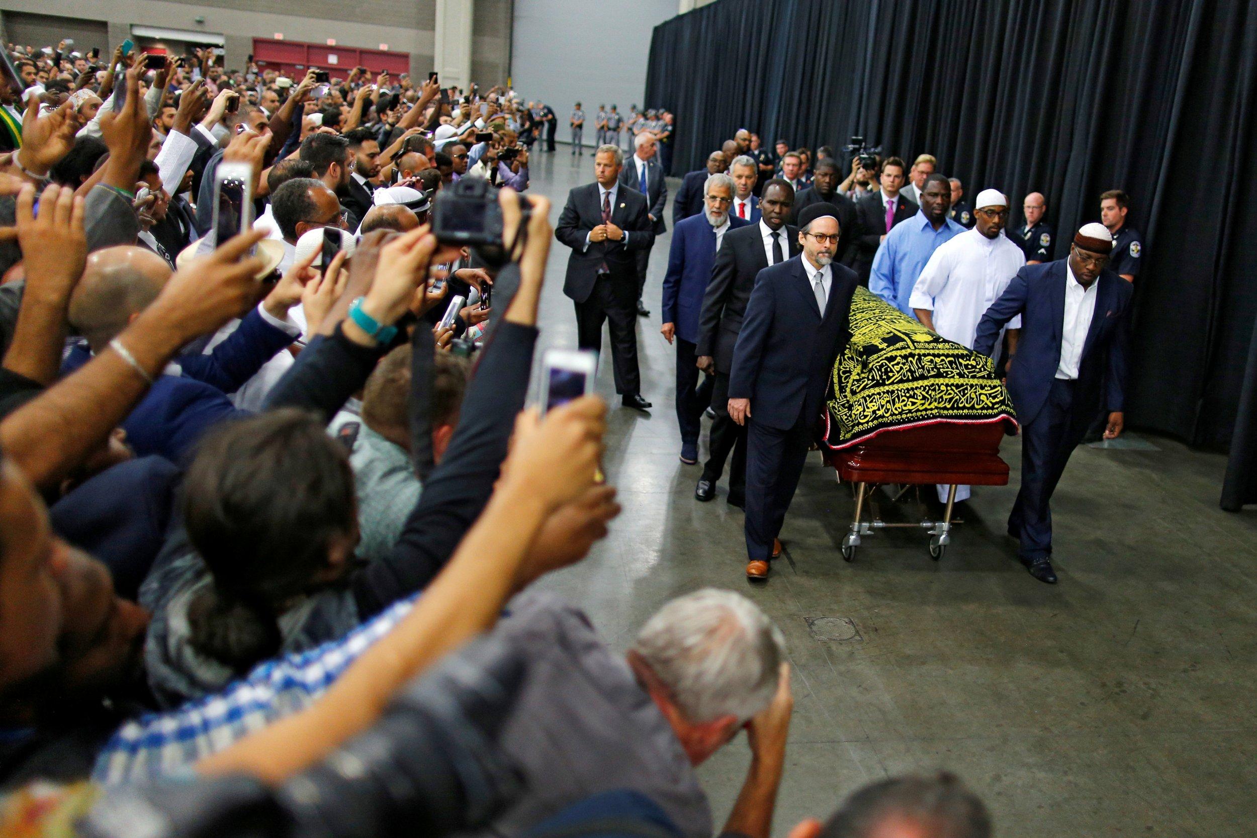 0609_muhammad_ali_funeral