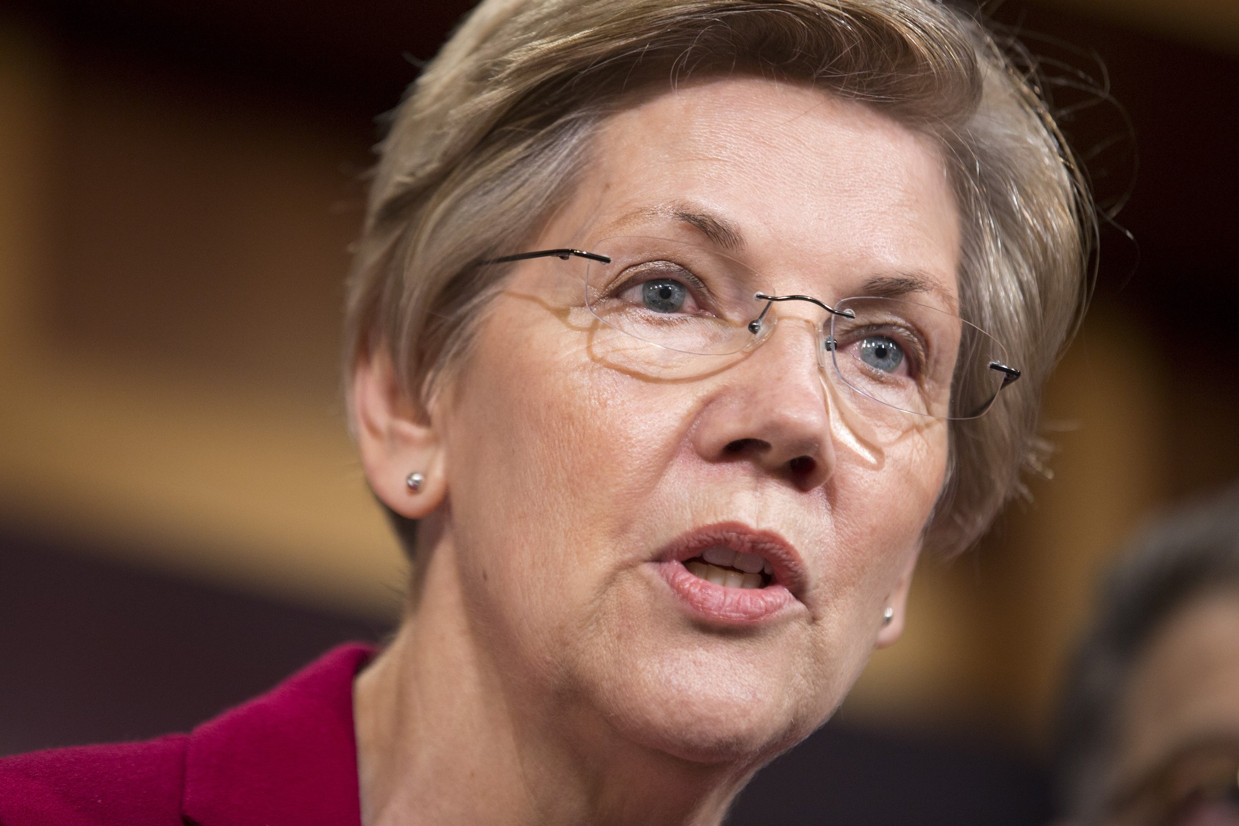 0610_Elizabeth_Warren_Donald_Trump_01