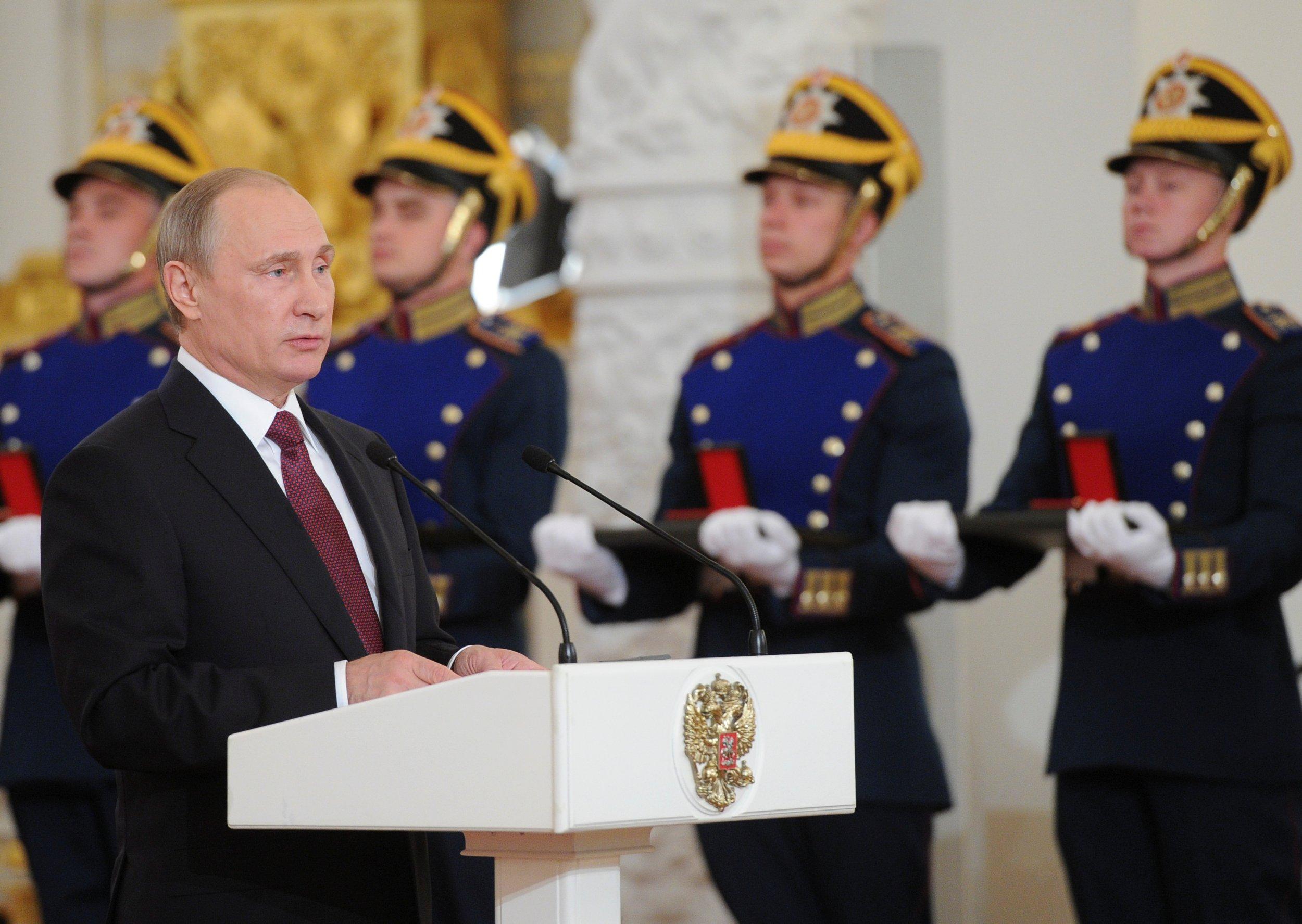 06_15_Putin_Czar_01