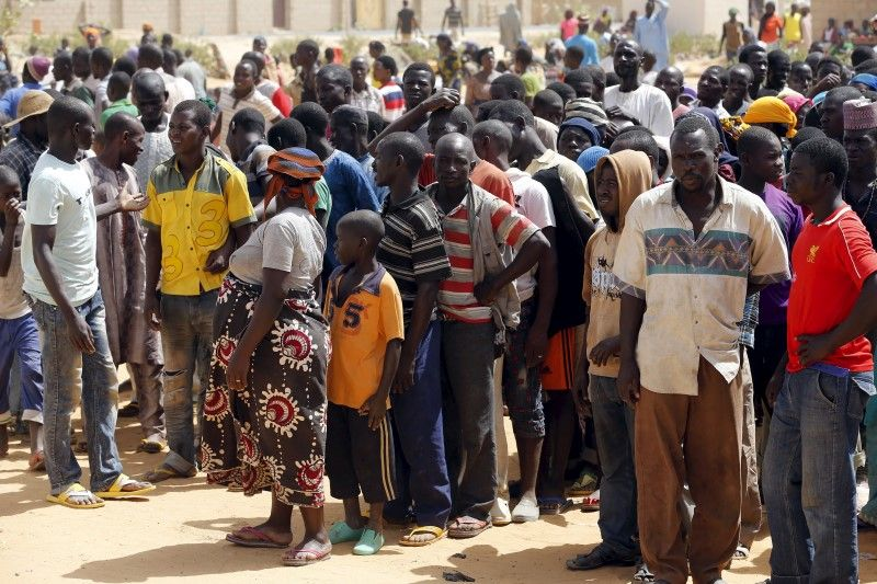 2016-06-07T132744Z_1_LYNXNPEC560RX_RTROPTP_3_NIGERIA-VIOLENCE
