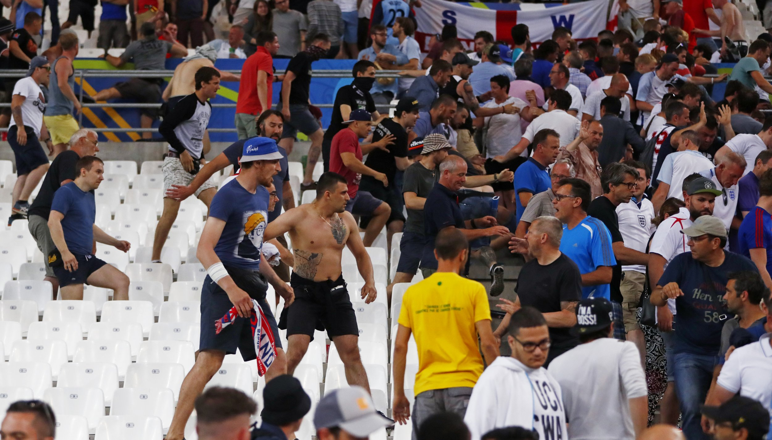 Russian and English fans fight