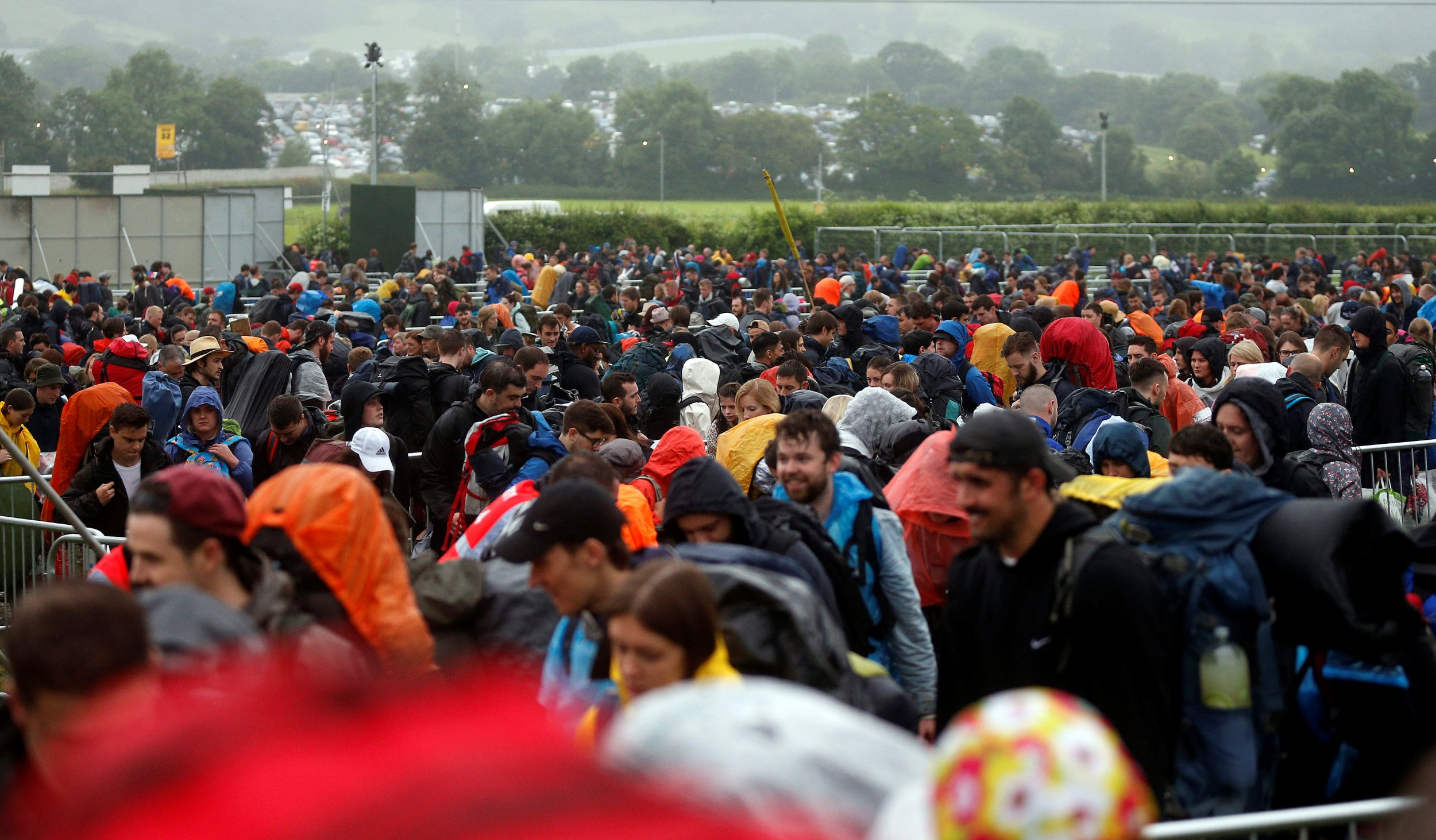 Glastonbury 2016 crowds