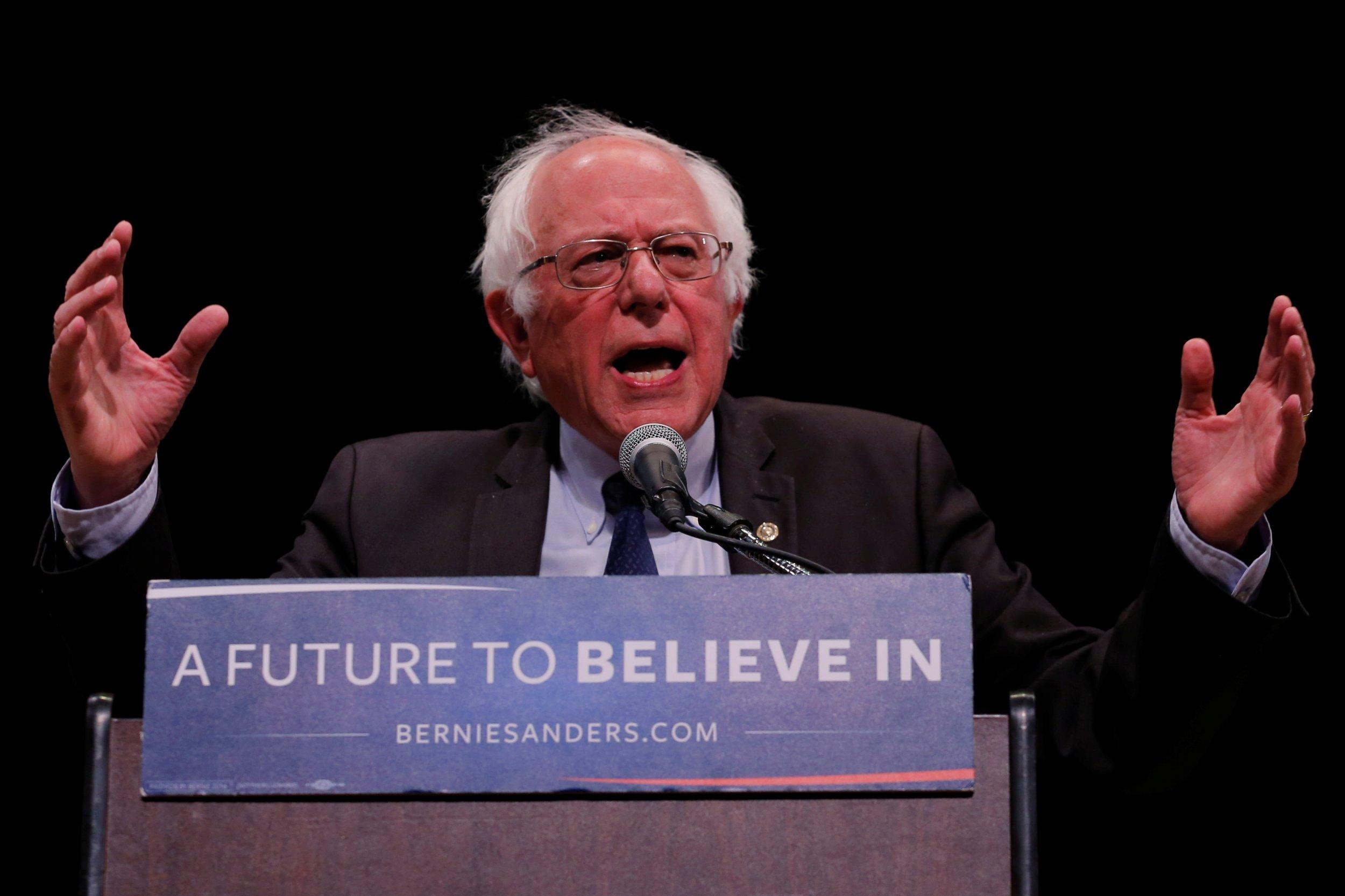 Bernie Sanders says vote Hillary Clinton