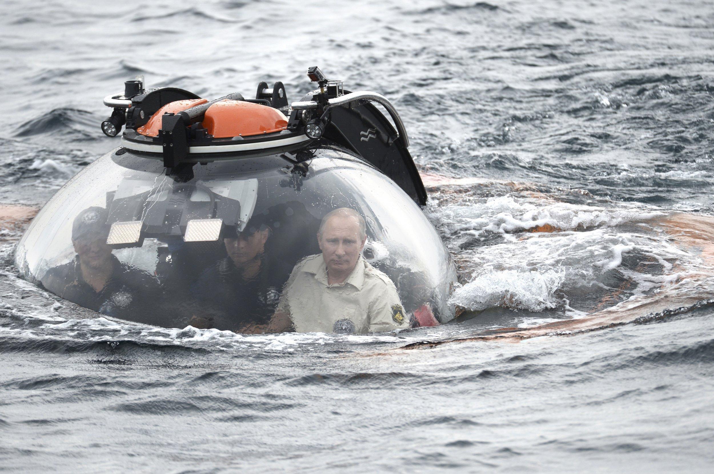07_03_Putin_Black_01