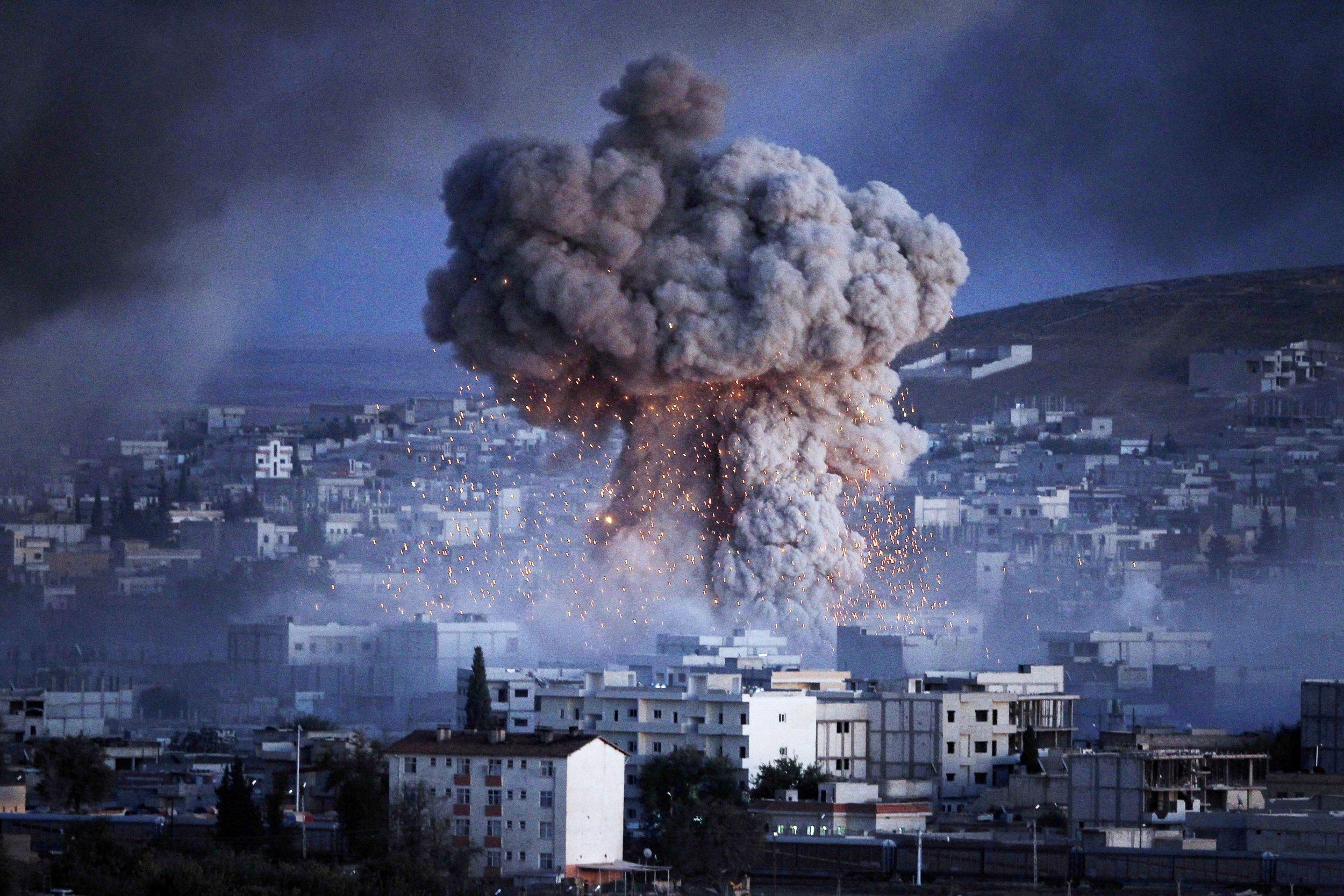 Islamic State Car Bomb in Kobane