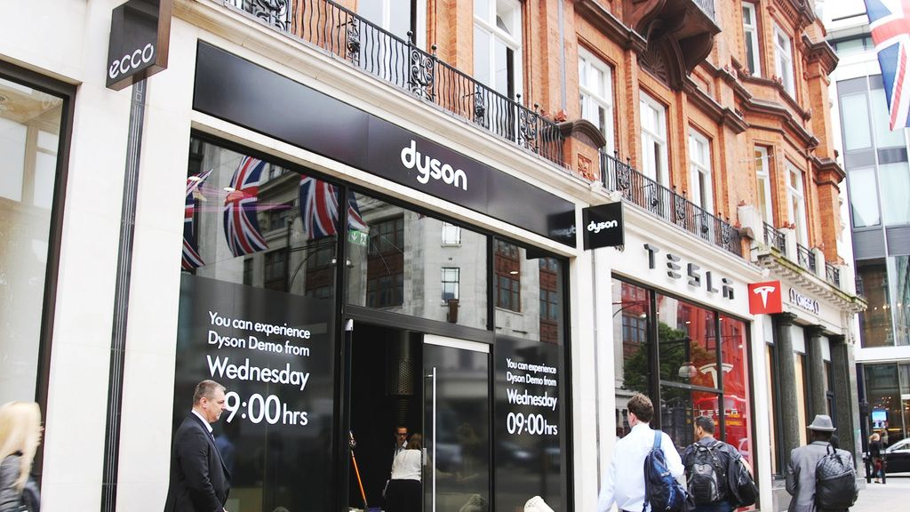 video inside dyson 39 s new flagship store. Black Bedroom Furniture Sets. Home Design Ideas