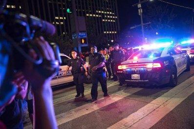 Dallas sniper shooting bystanders
