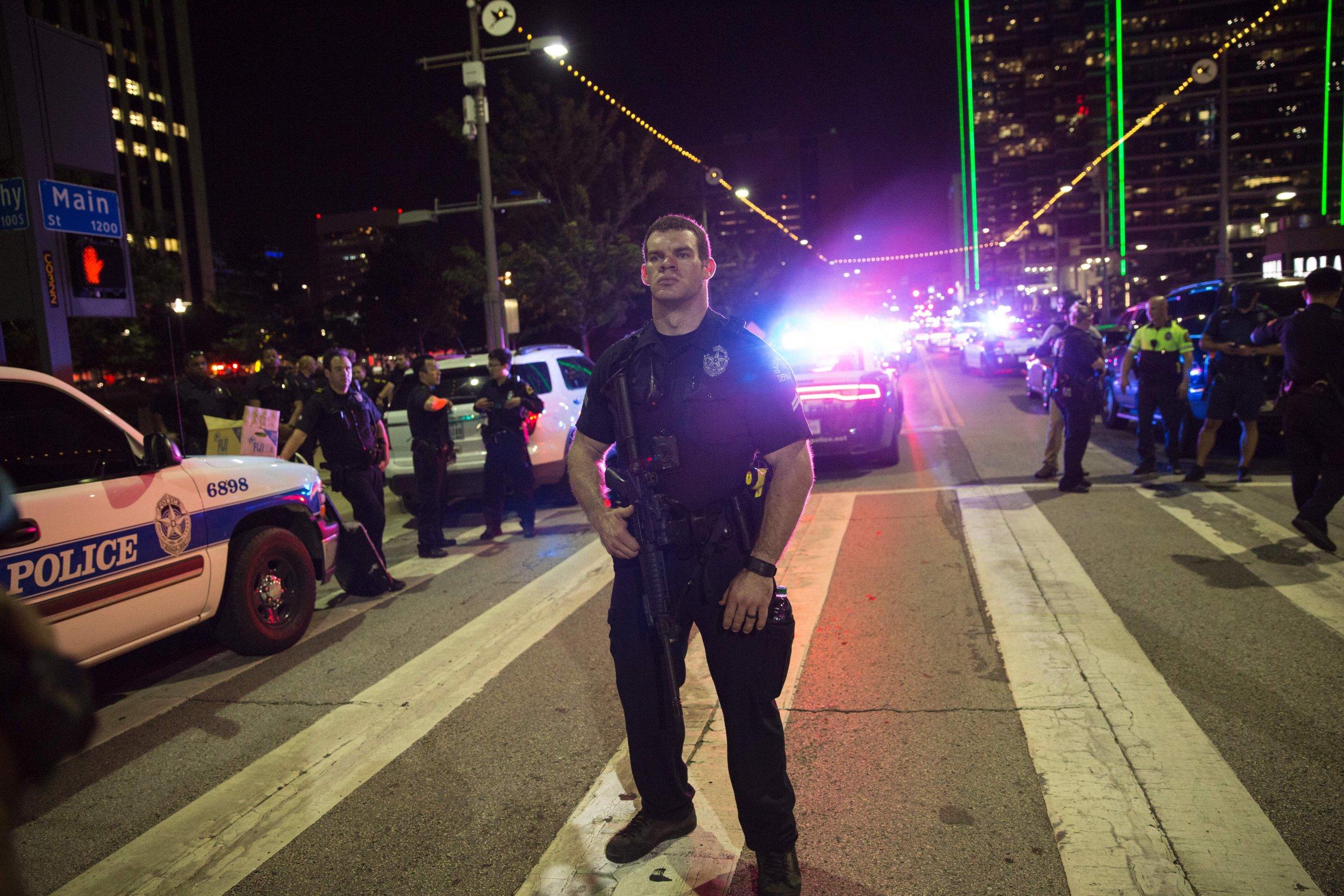 Dallas police shooting dating