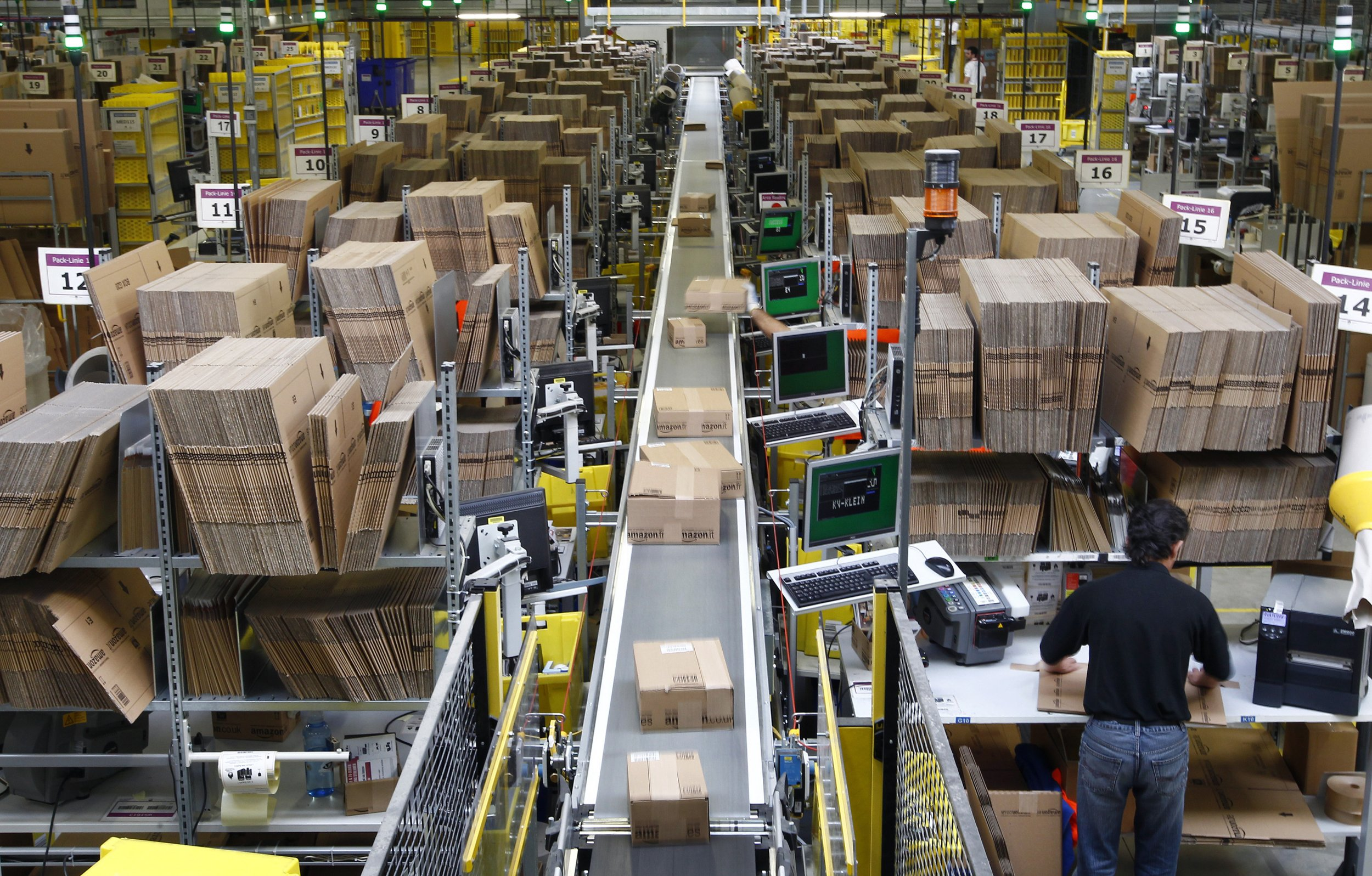 Amazon How The World S Largest Retailer Keeps Tax