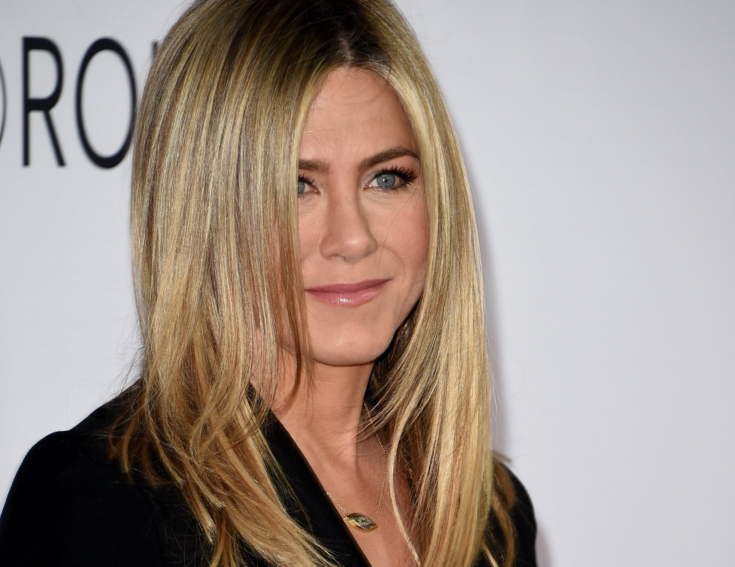 Jennifer Aniston addresses pregnancy rumors