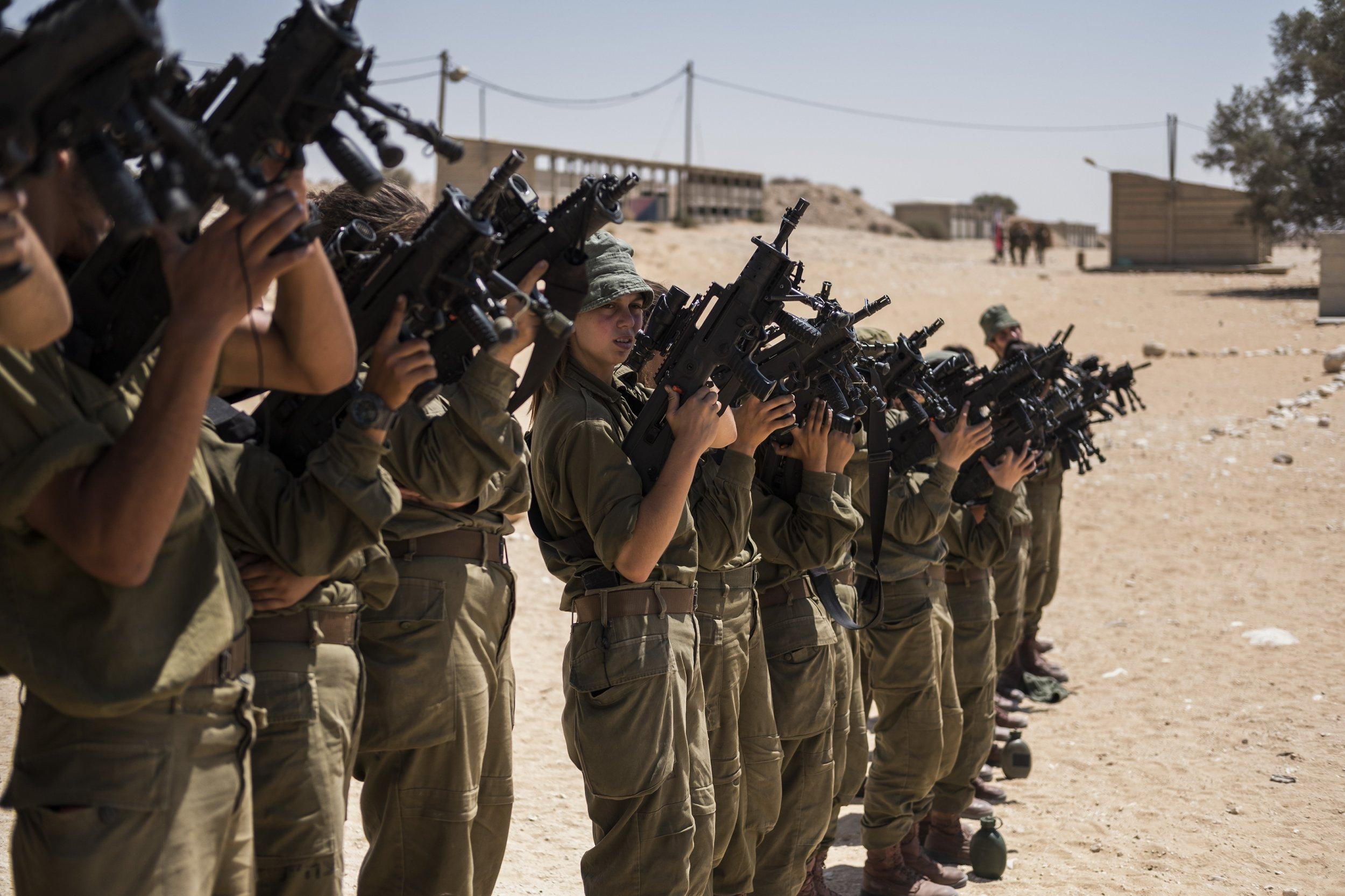 Israeli mix-sex combat unit
