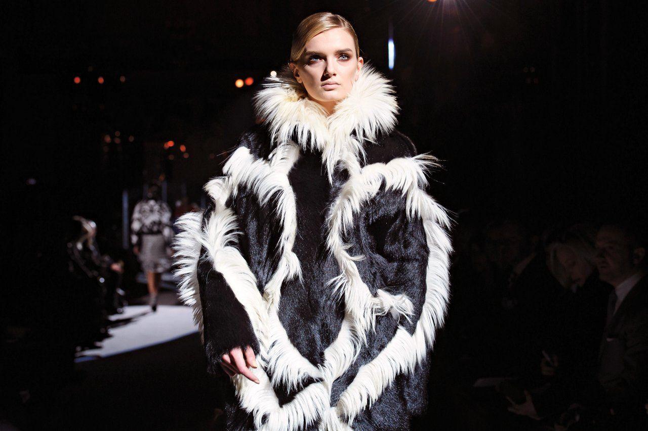 london-fashion-week-OM04-main-tease