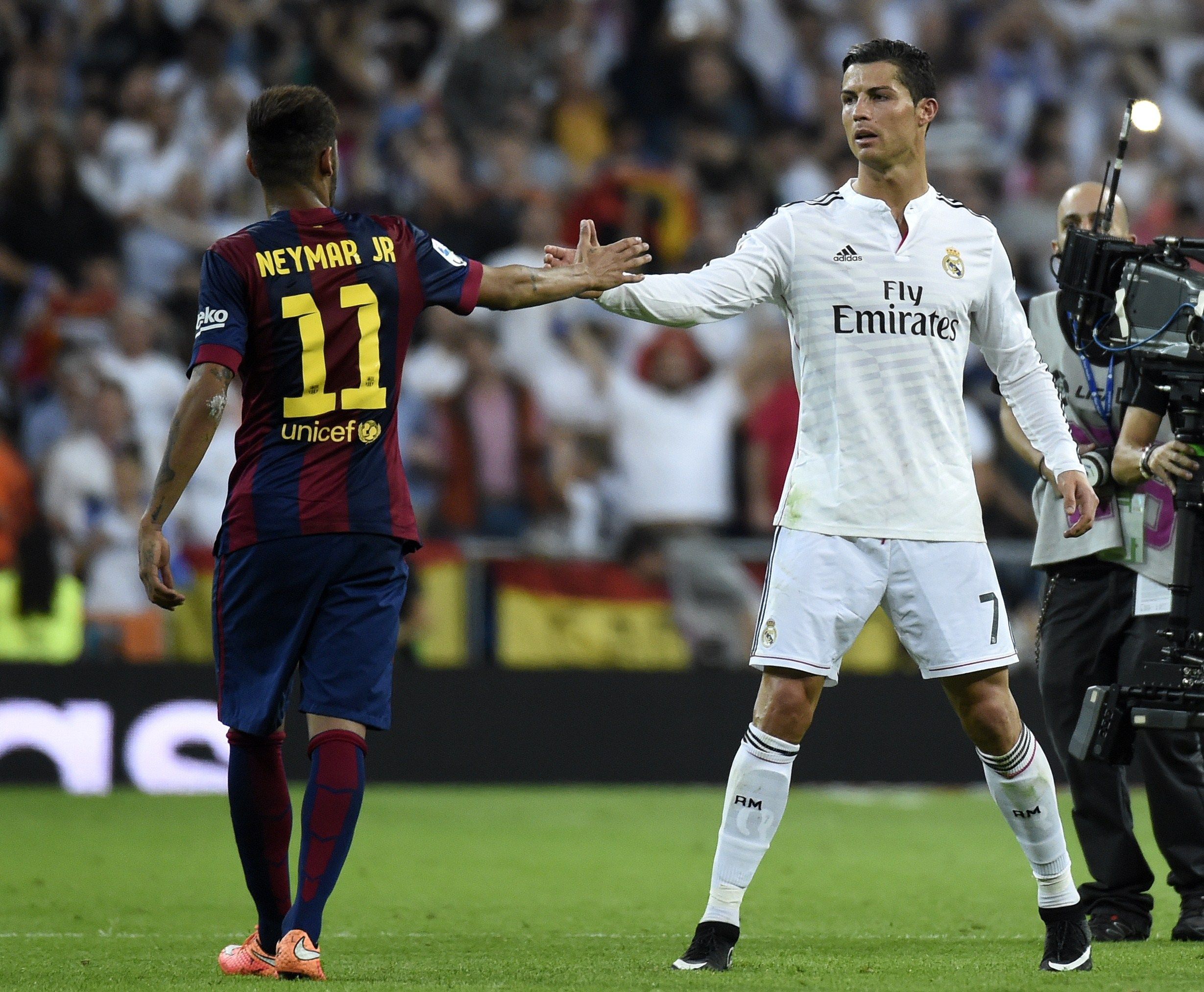 Neymar Left With Cristiano Ronaldo