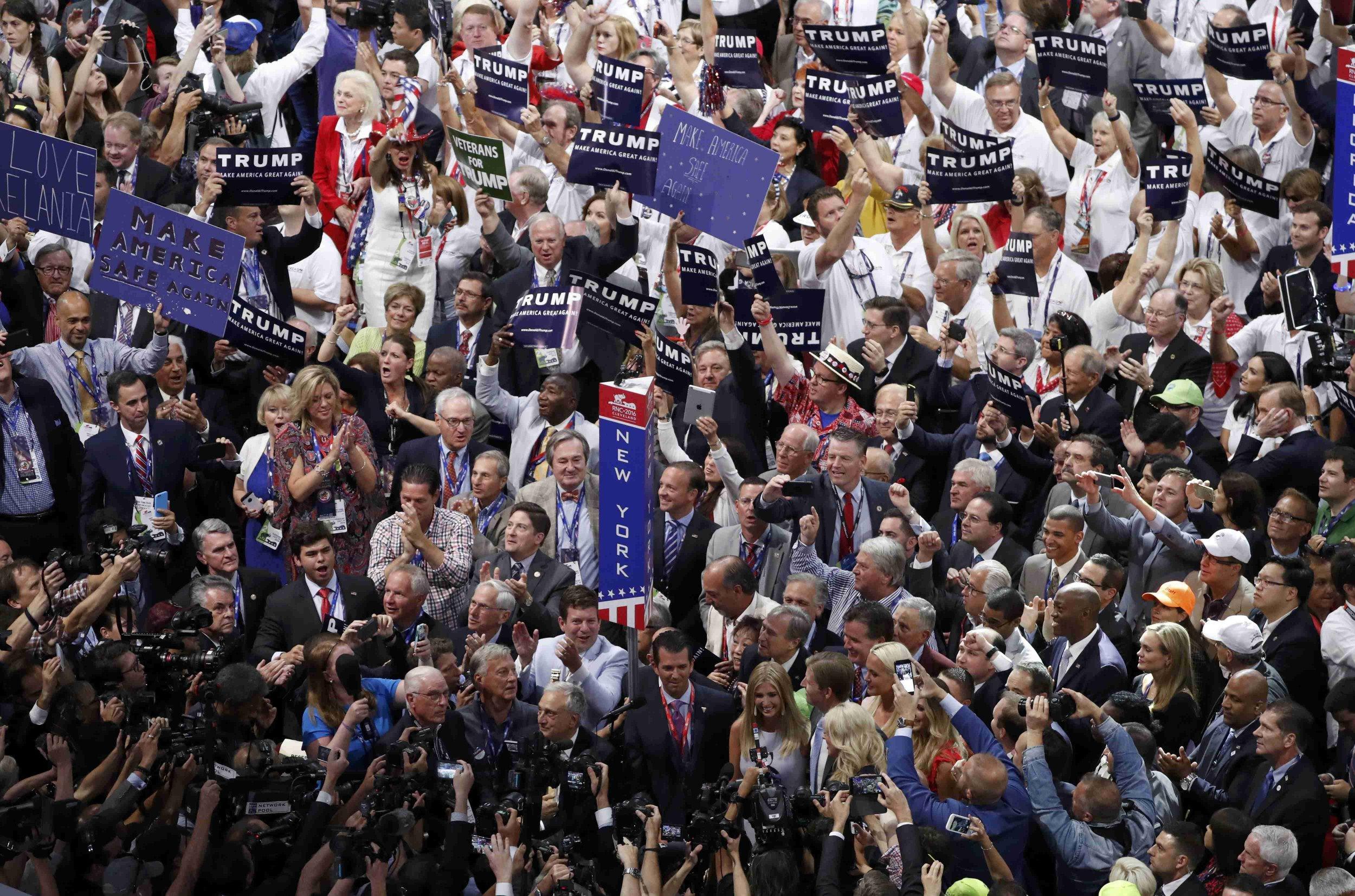 2016-07-19T232030Z_250845377_HT1EC7J1STCX5_RTRMADP_3_USA-ELECTION-REPUBLICANS