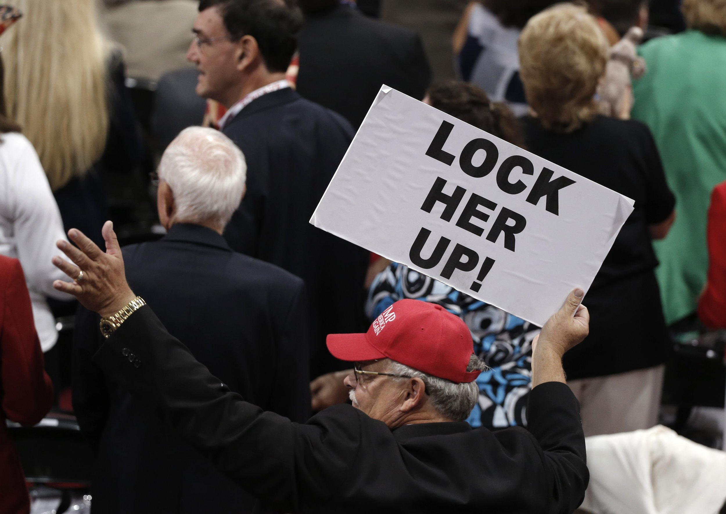 0720_Lock_her_up_slogan_Hillary_Clinton_02