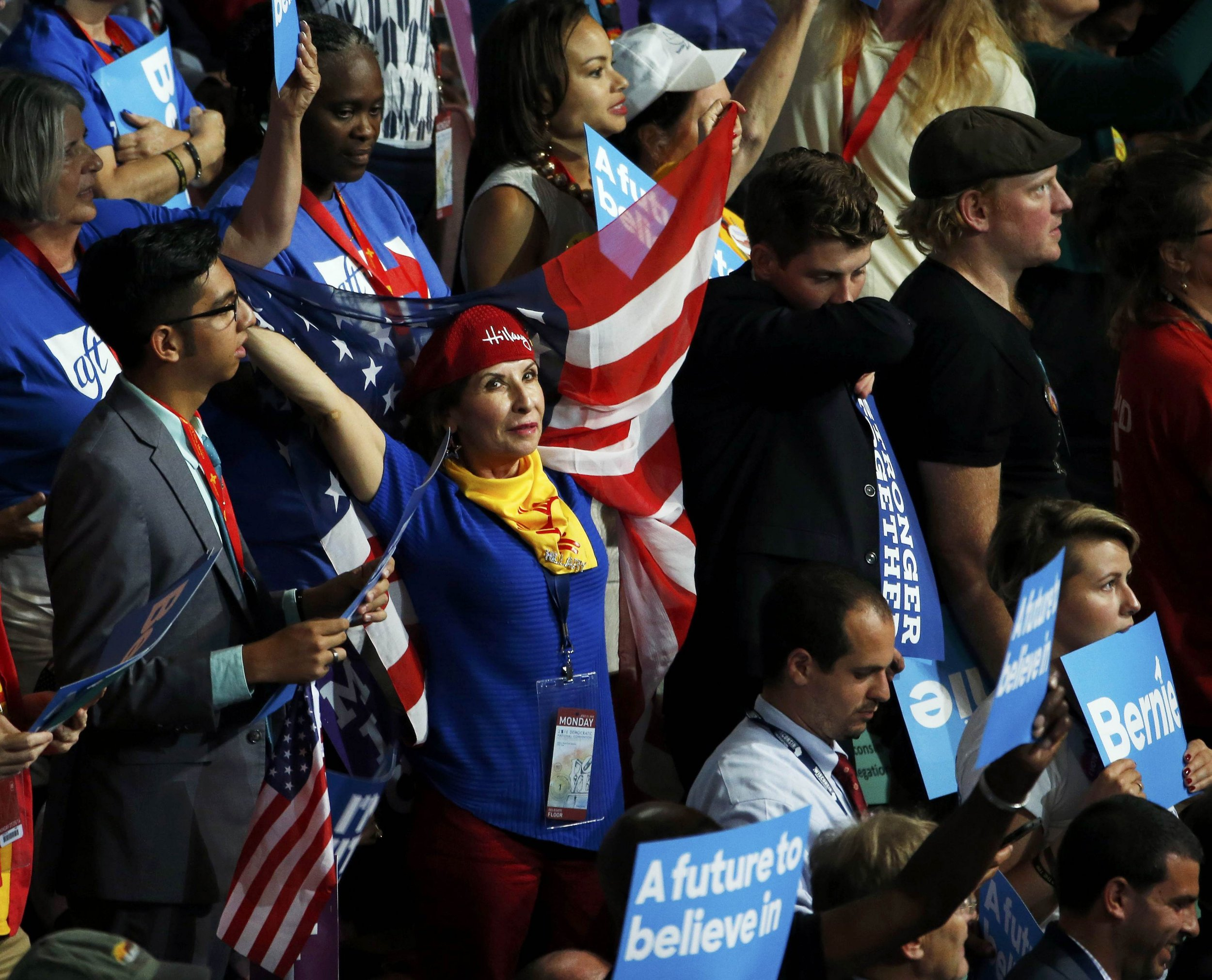 2016-07-26T030554Z_1524491036_HT1EC7Q08KUYT_RTRMADP_3_USA-ELECTION