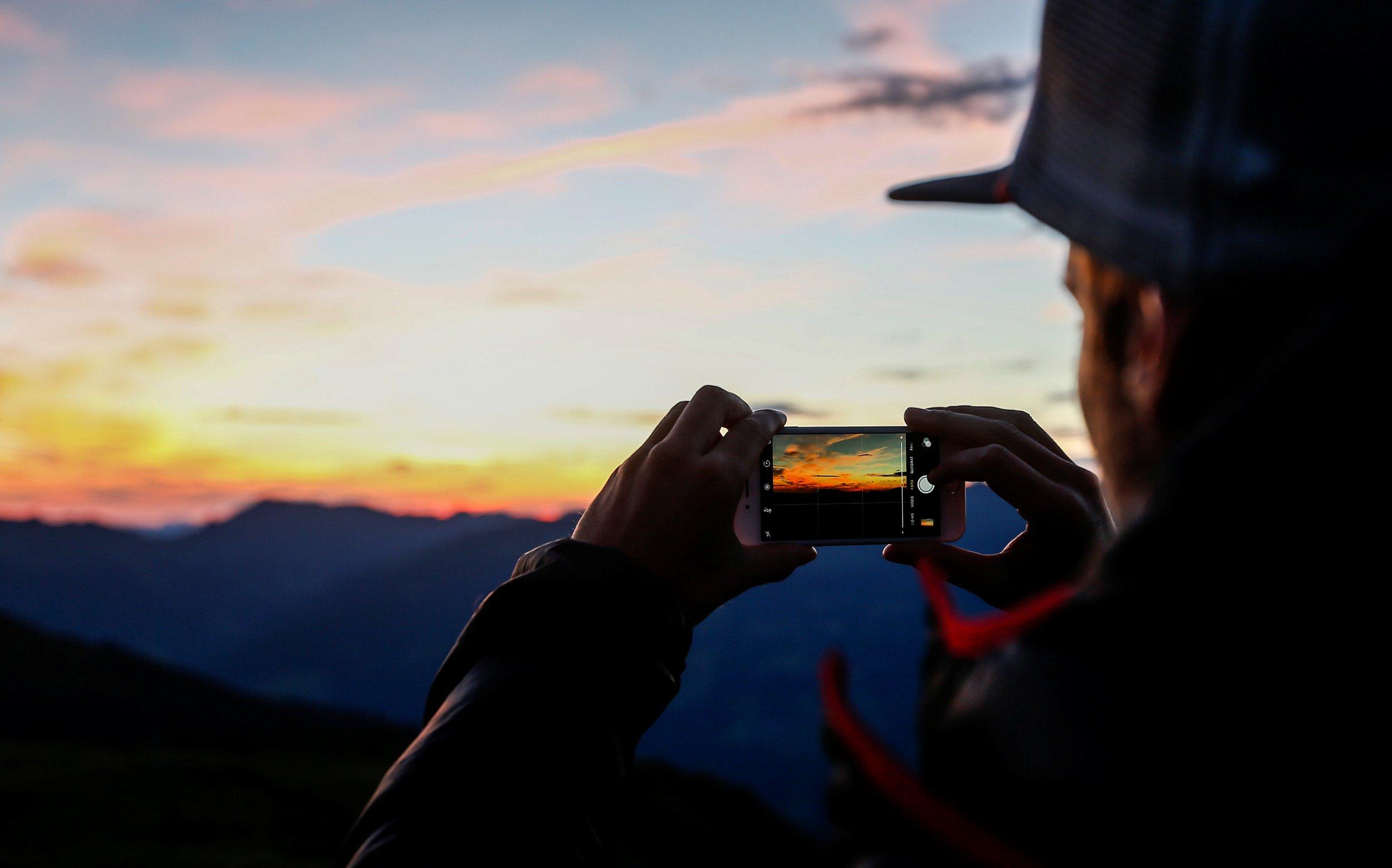 phone-sunrise